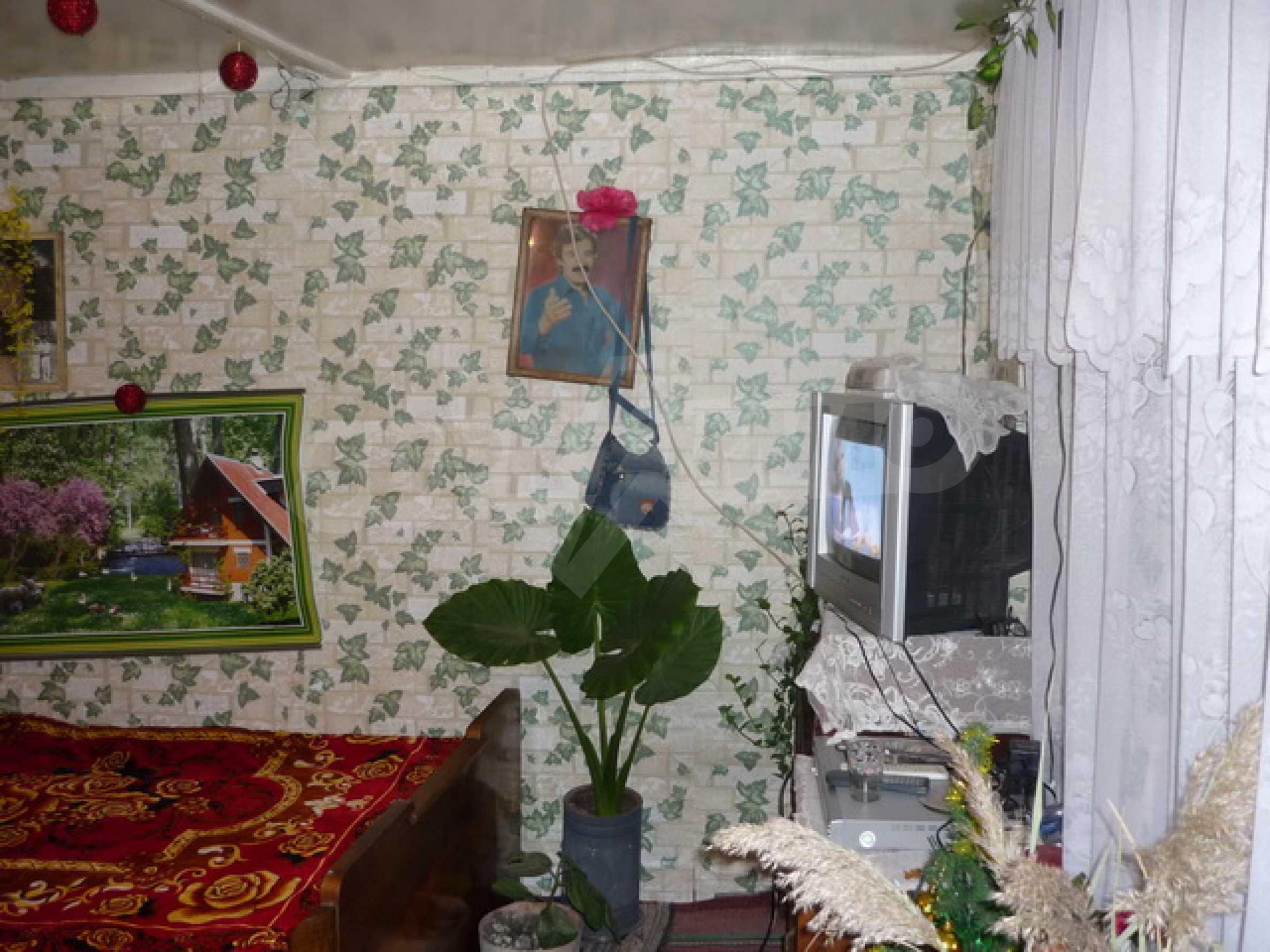 Zweistöckiges Haus zum Verkauf in einem Dorf 40 km von Veliko Tarnovo entfernt 5