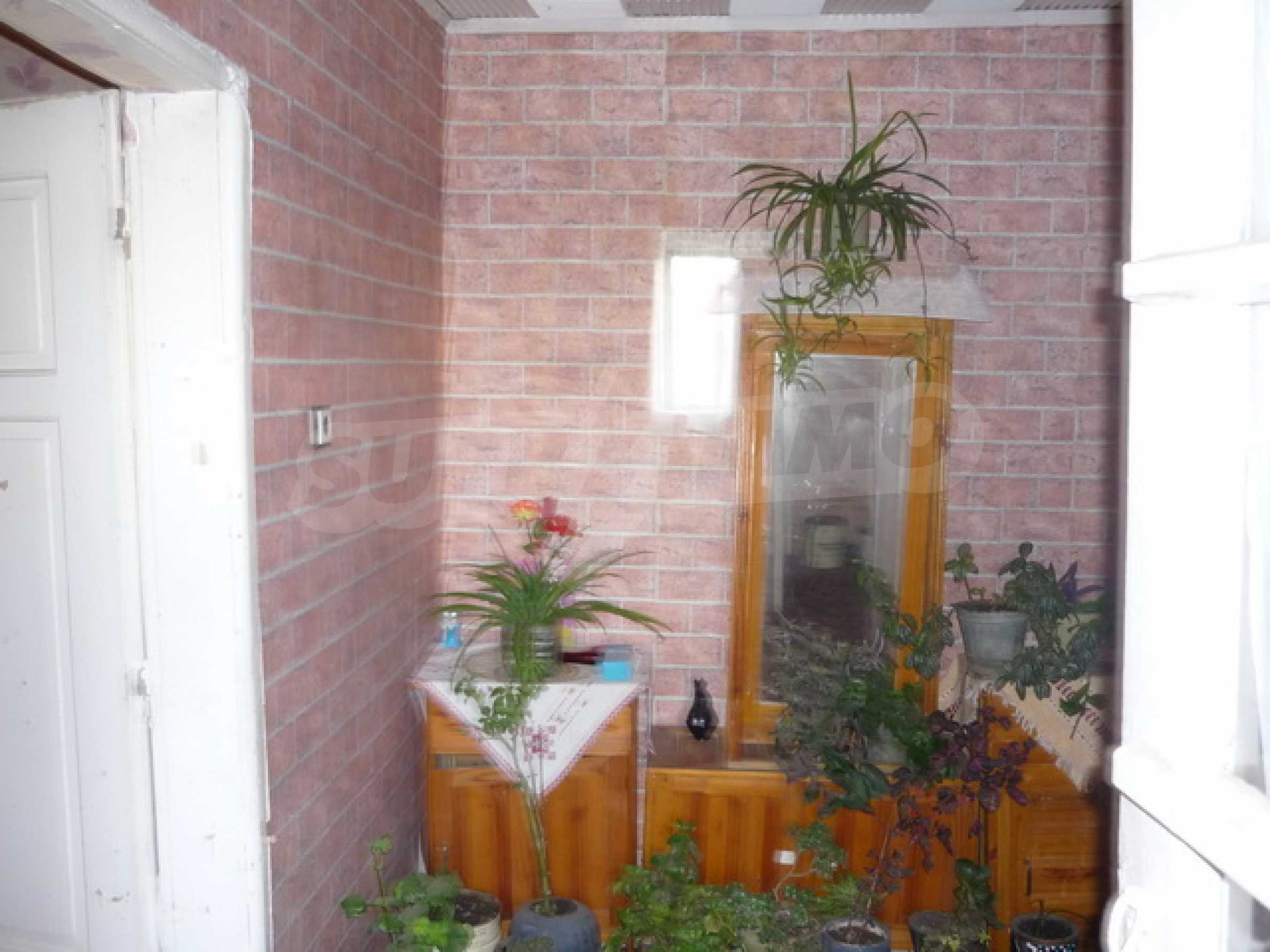 Zweistöckiges Haus zum Verkauf in einem Dorf 40 km von Veliko Tarnovo entfernt 7