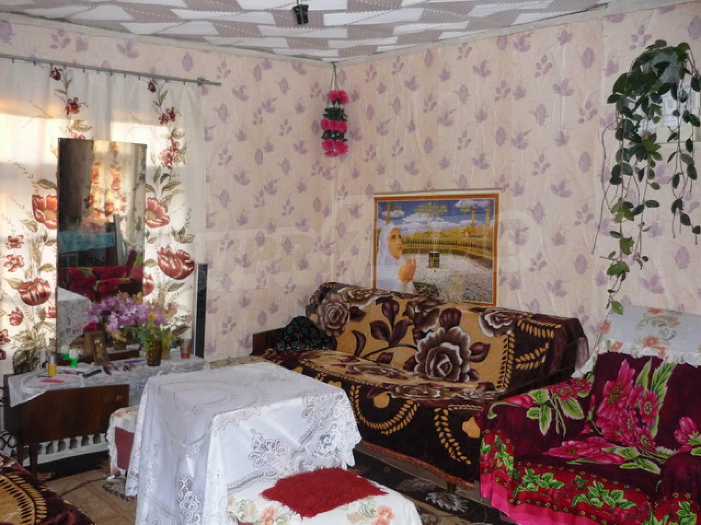 Продава се къща на два етажа в село на 40 километра от Велико Търново 8