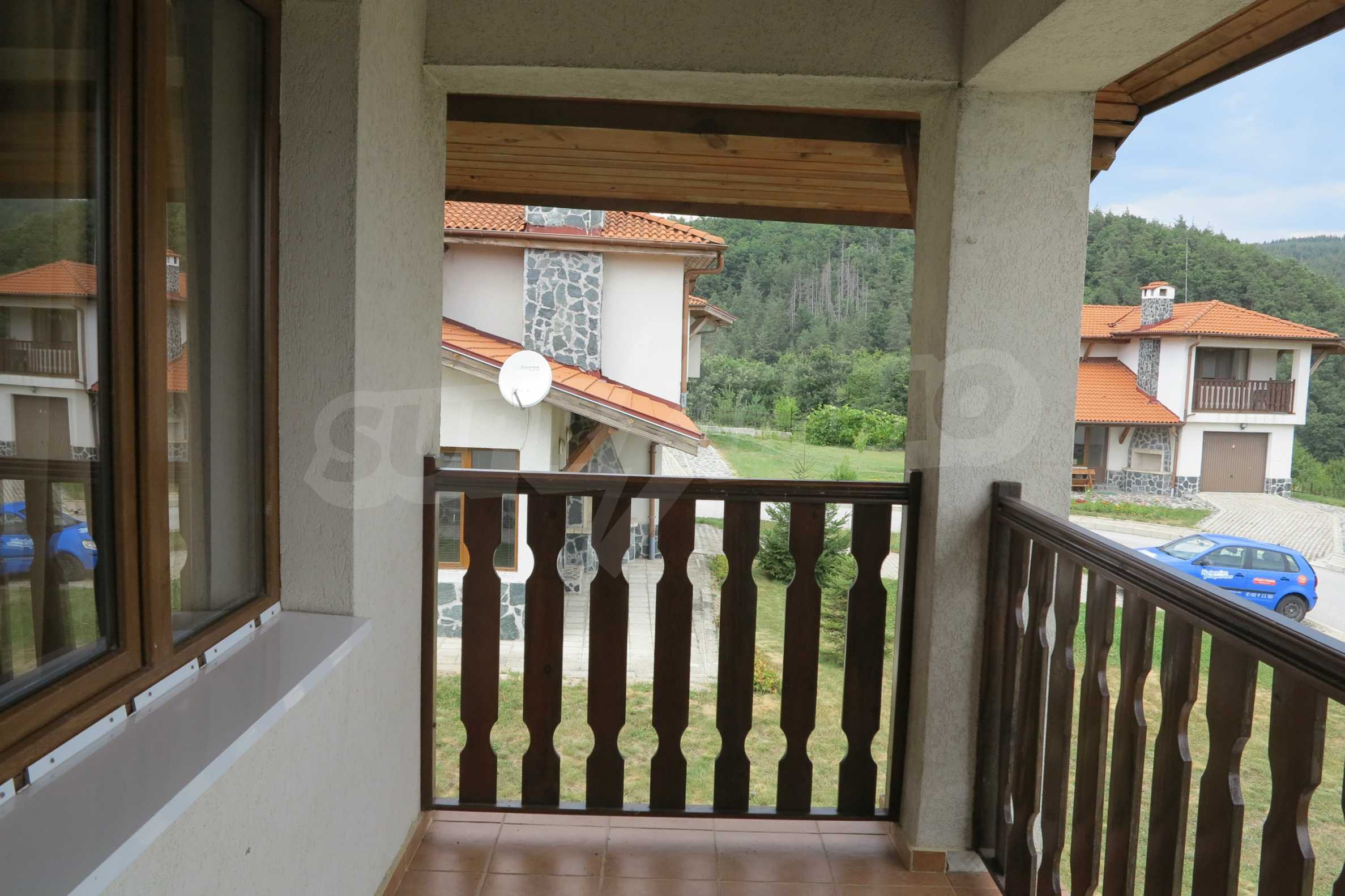 2-storey mountain house with yard and easy access to Sofia 27