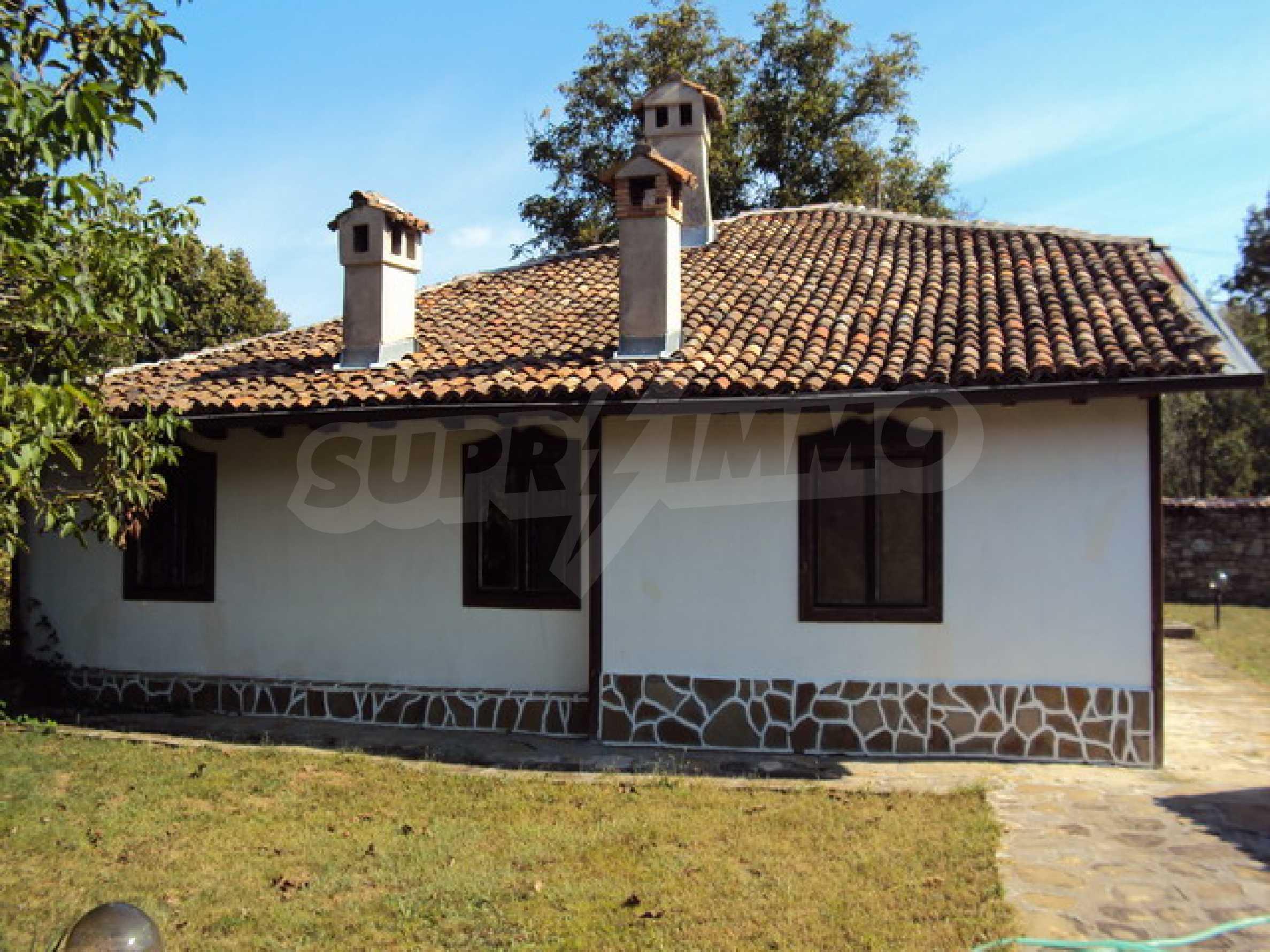 Ремонтирана традиционна къща 22