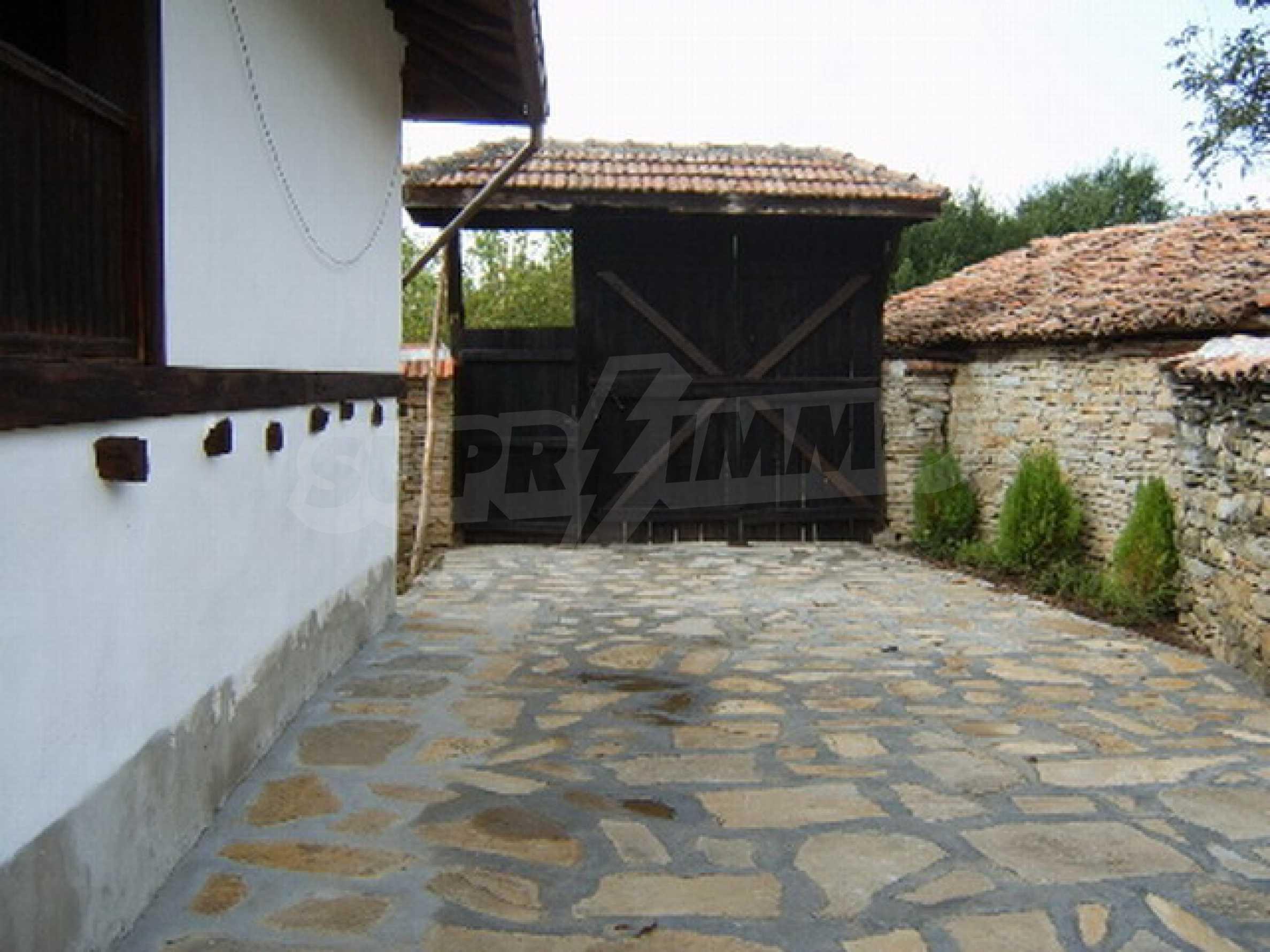 Ремонтирана традиционна къща 2