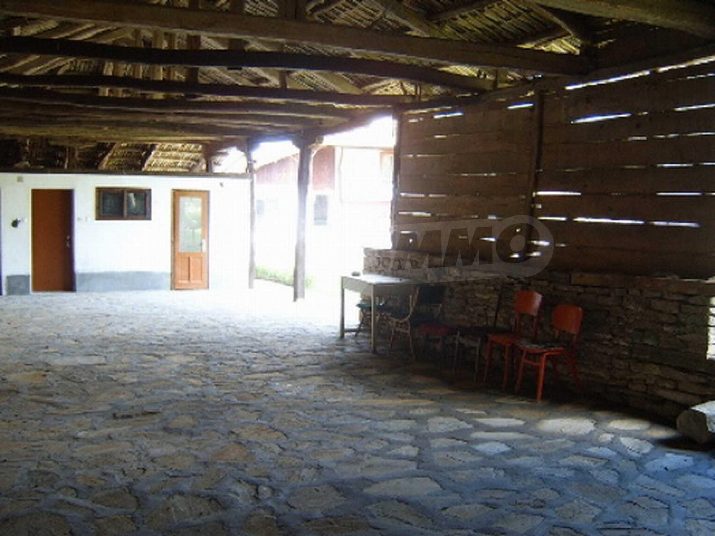 Ремонтирана традиционна къща 4