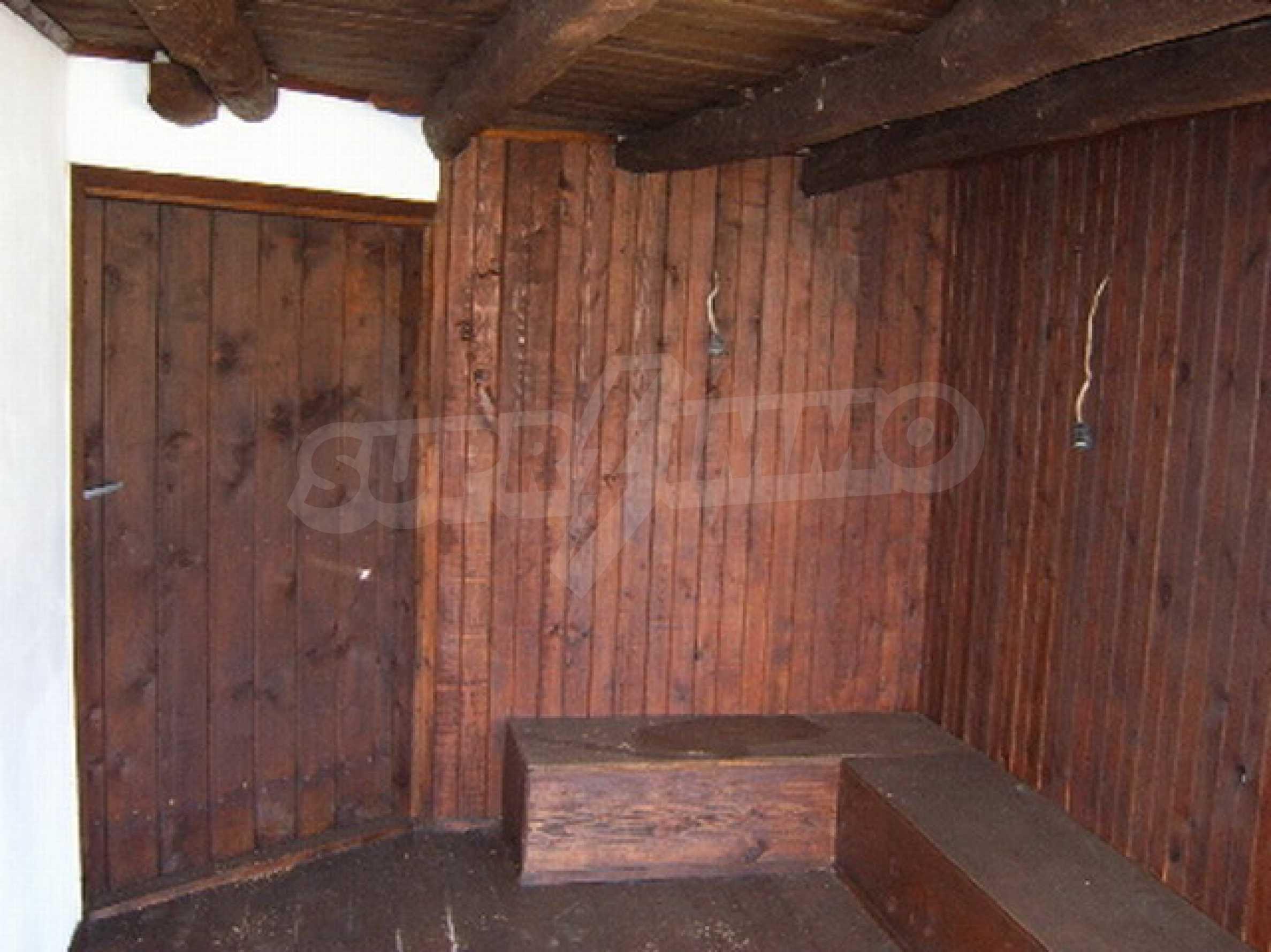 Ремонтирана традиционна къща 8