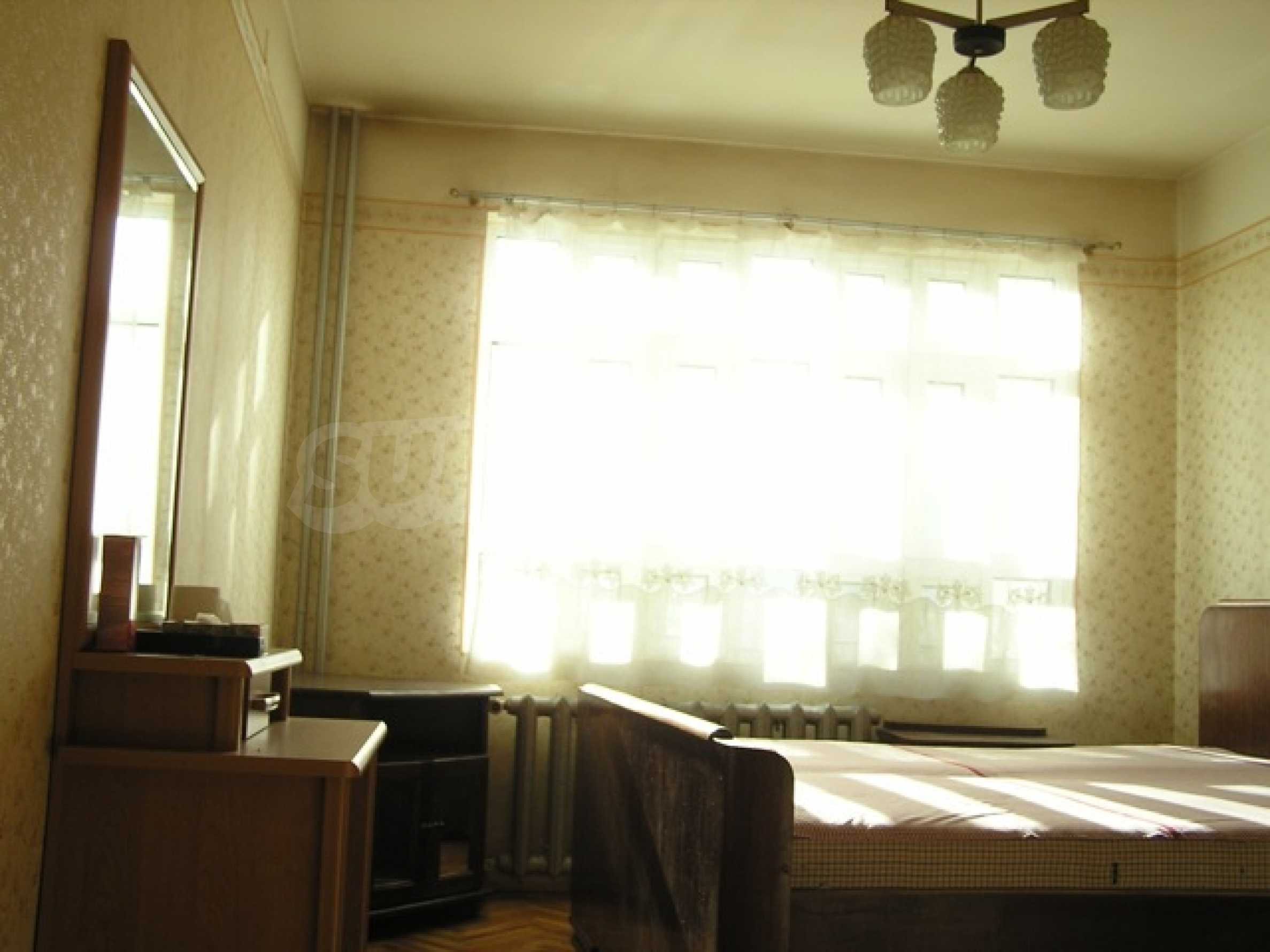 Трехкомнатная квартира в г. София 4