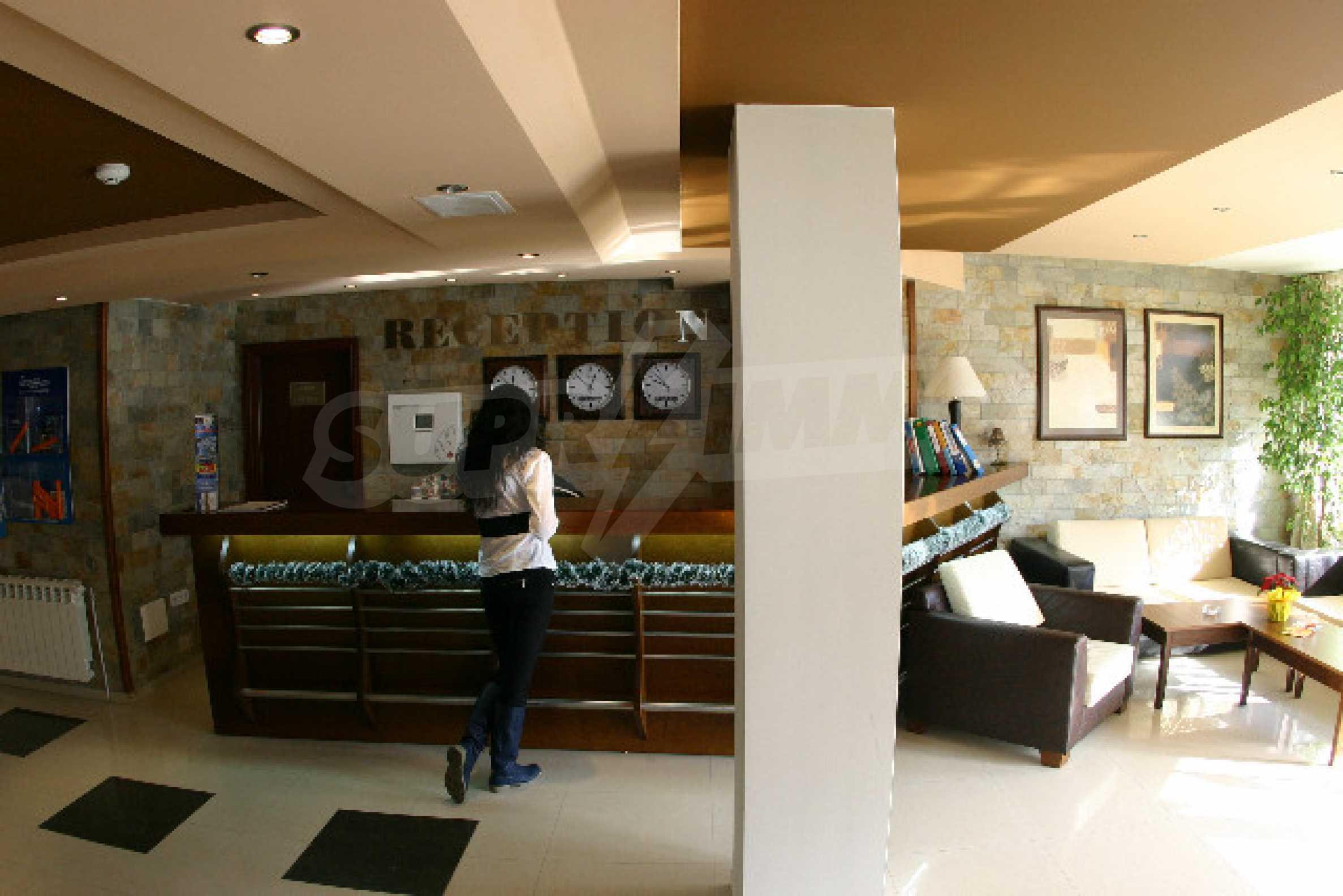Двухкомнатная квартира на продажу на курорте Банско 11