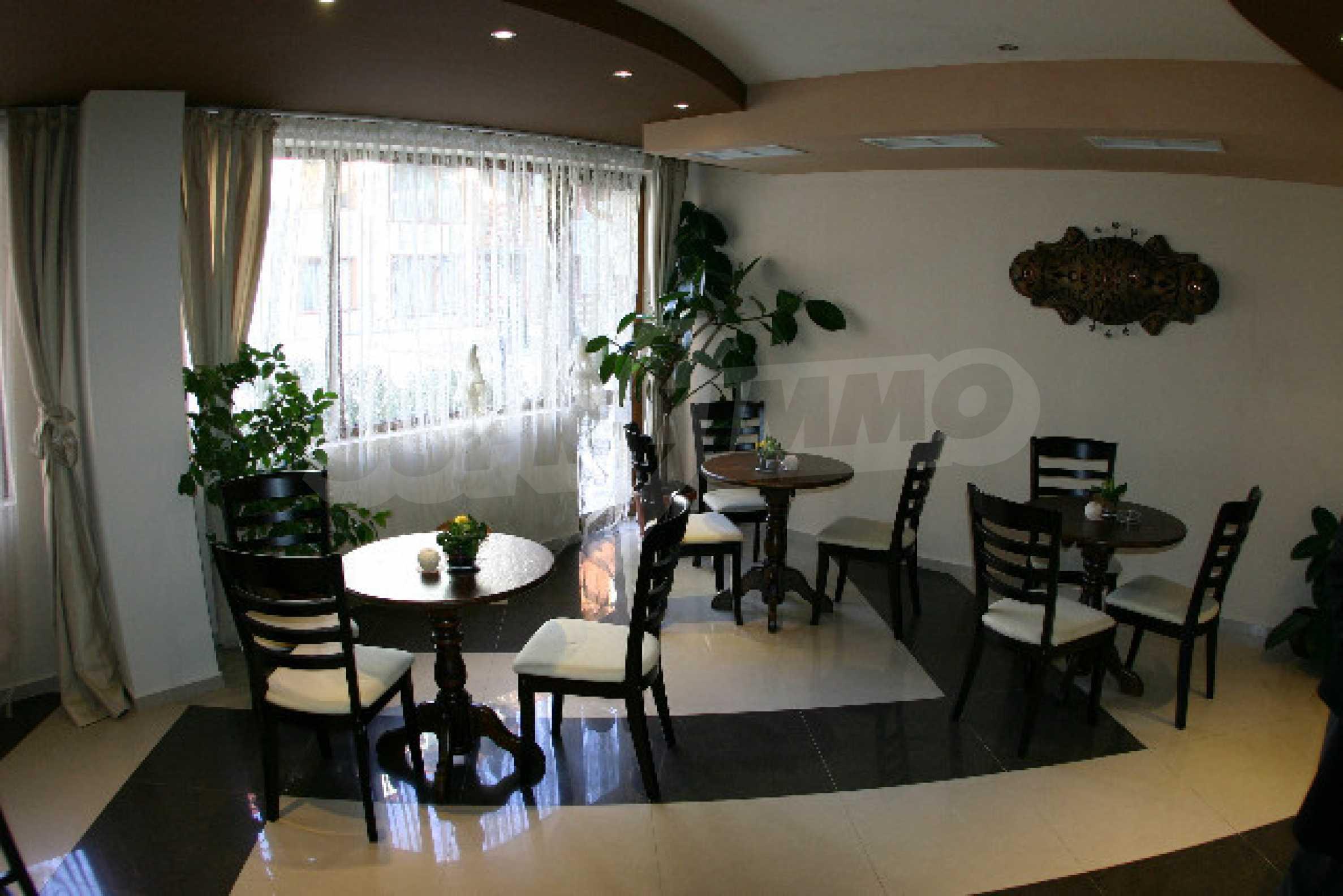 Двухкомнатная квартира на продажу на курорте Банско 14