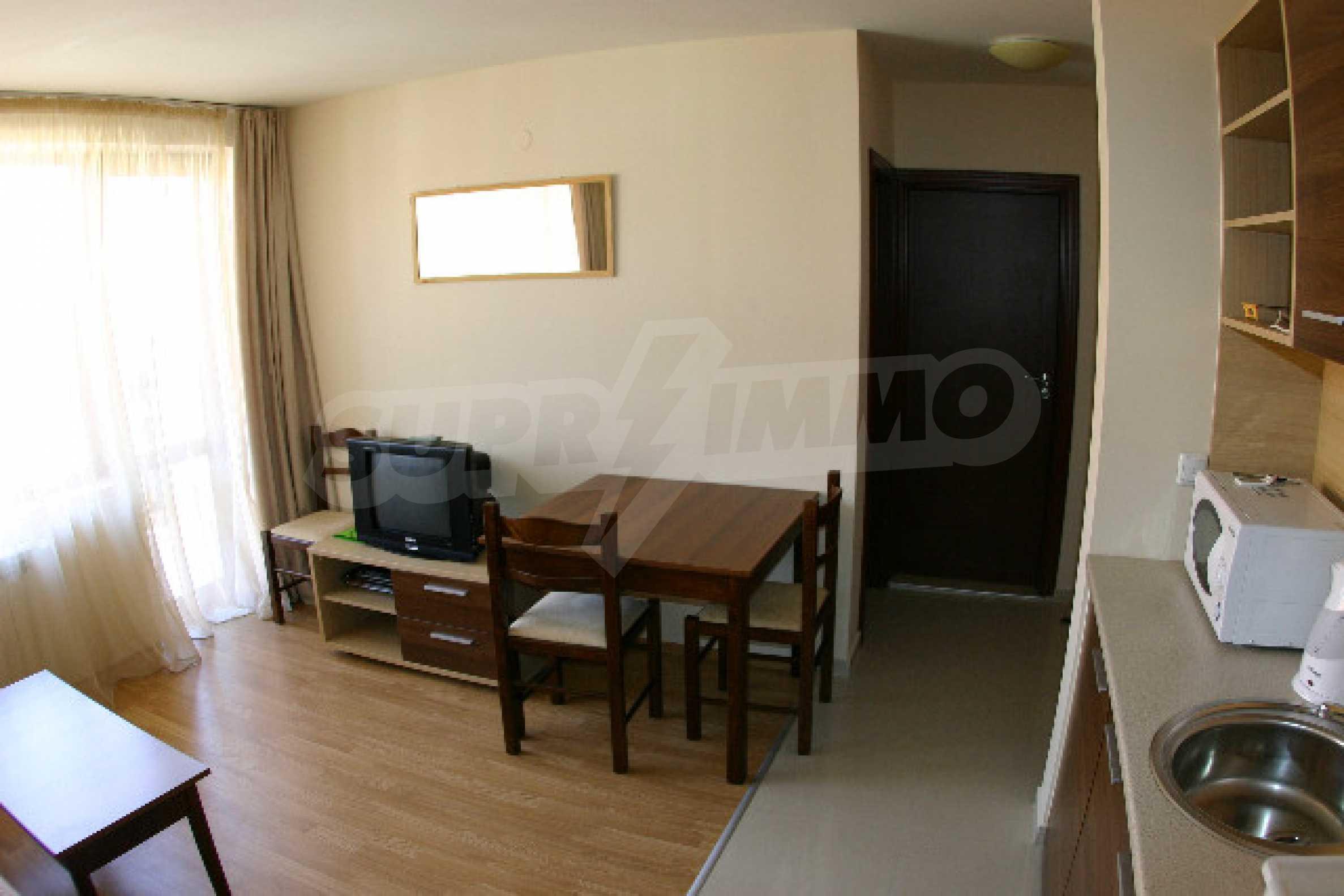Двухкомнатная квартира на продажу на курорте Банско 3