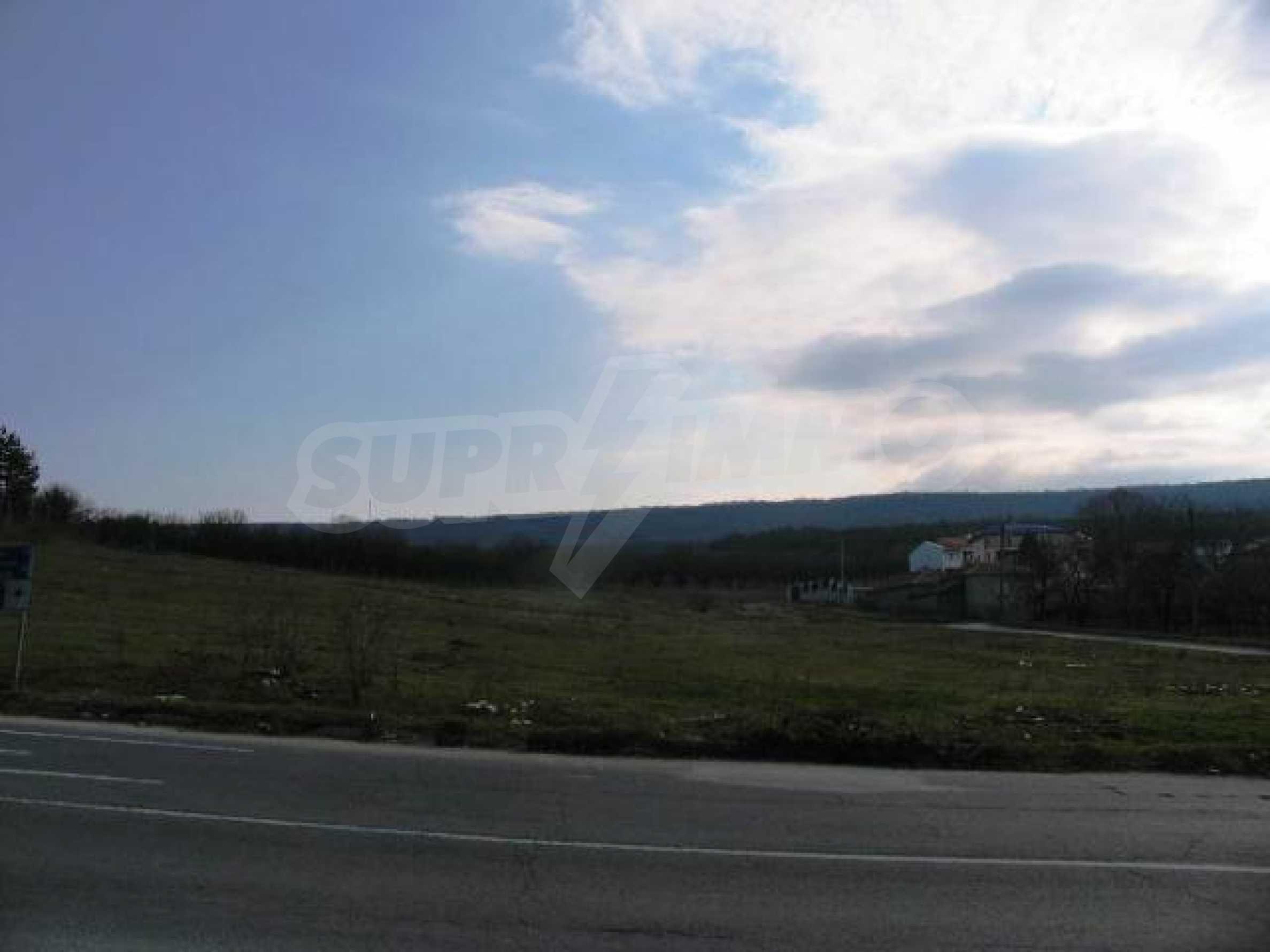 Land in Obrochishte Village, just 3km from Albena Resort  10