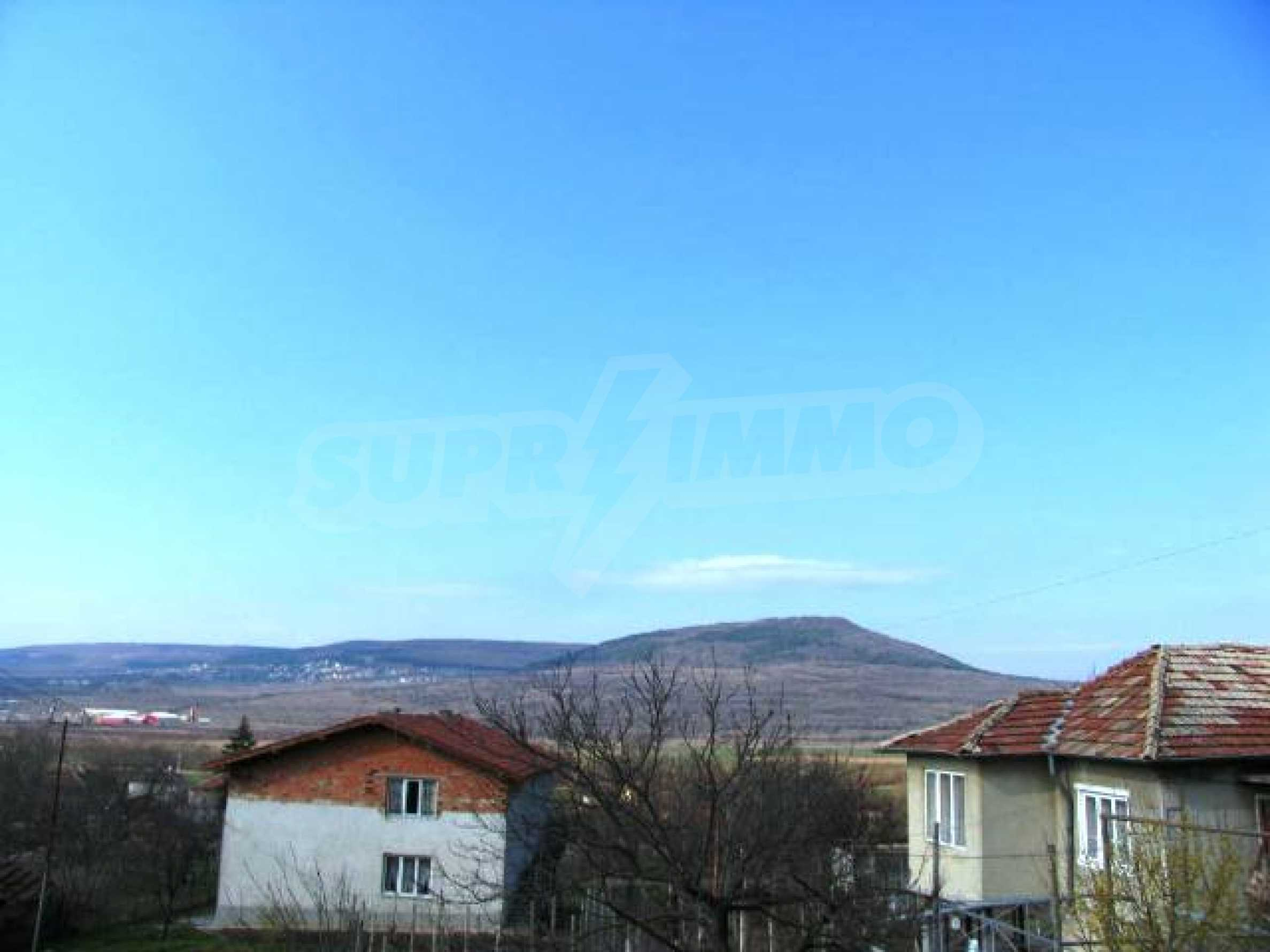 Land in Obrochishte Village, just 3km from Albena Resort  3