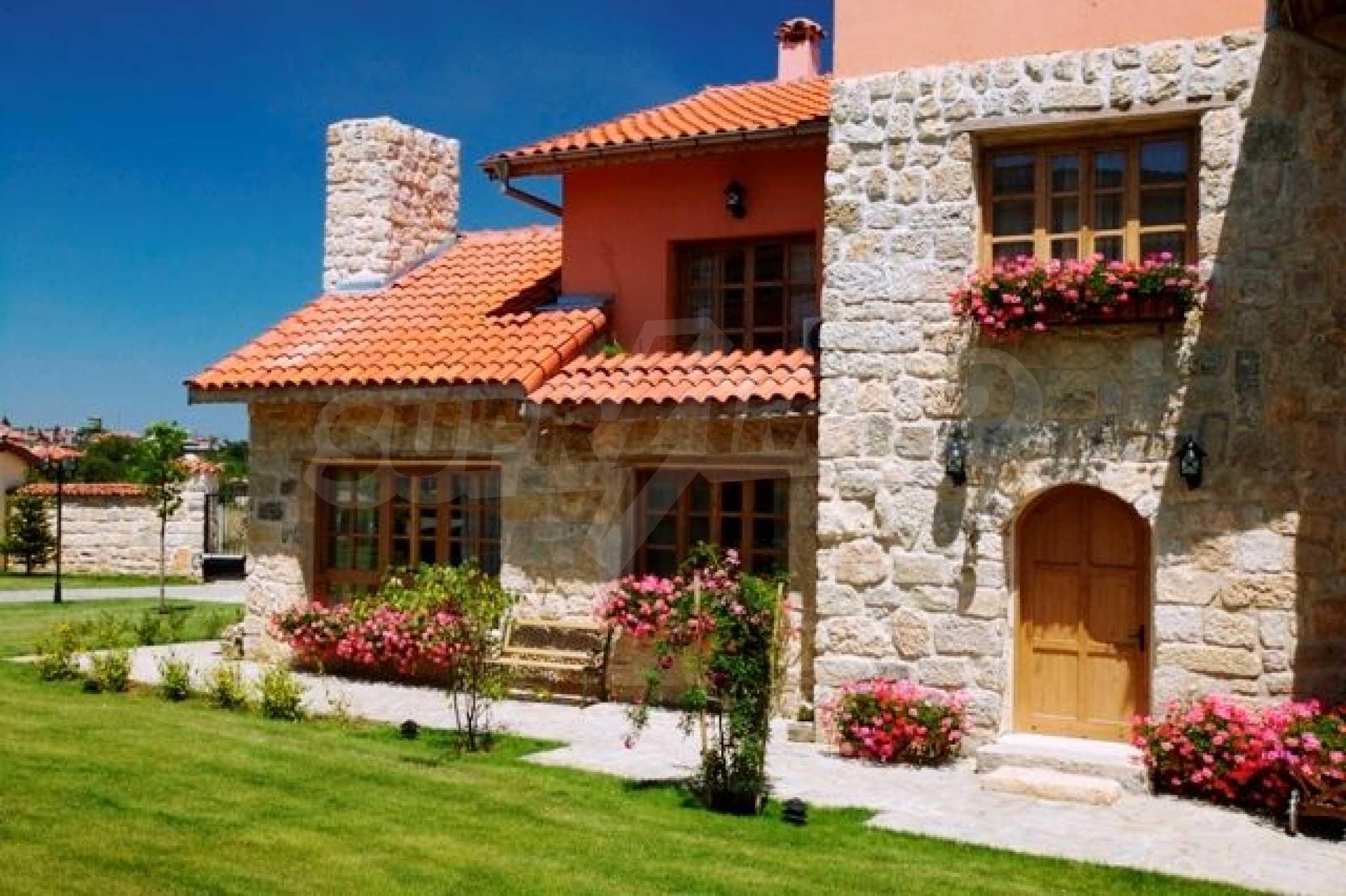 Великолепно имение с басейн и градина във френския стил прованс 19