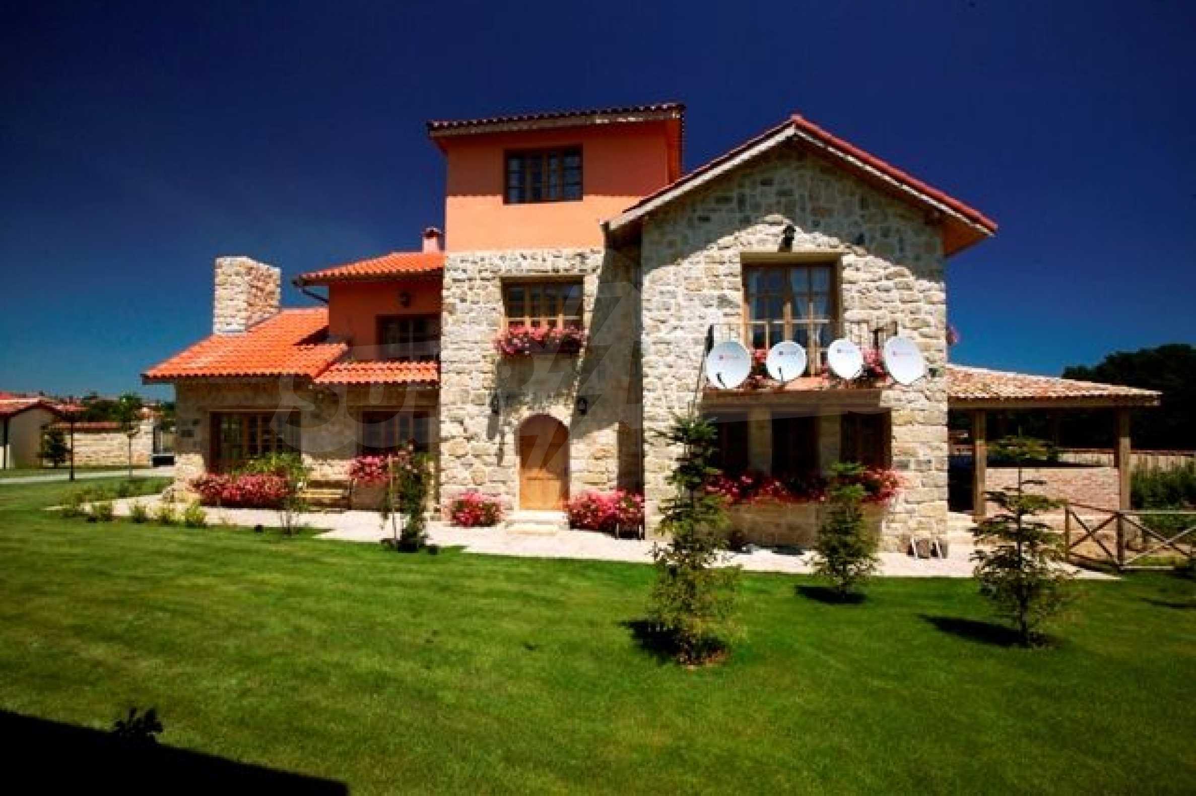 Великолепно имение с басейн и градина във френския стил прованс 20