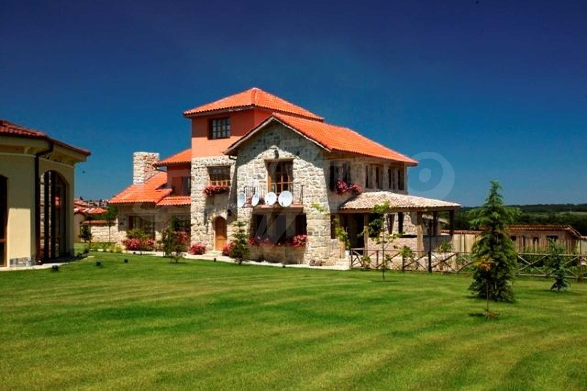 Великолепно имение с басейн и градина във френския стил прованс 21