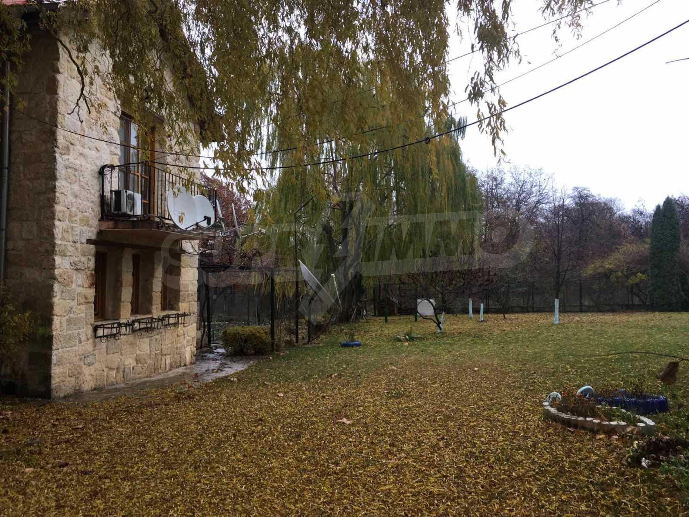 Великолепно имение с басейн и градина във френския стил прованс 40