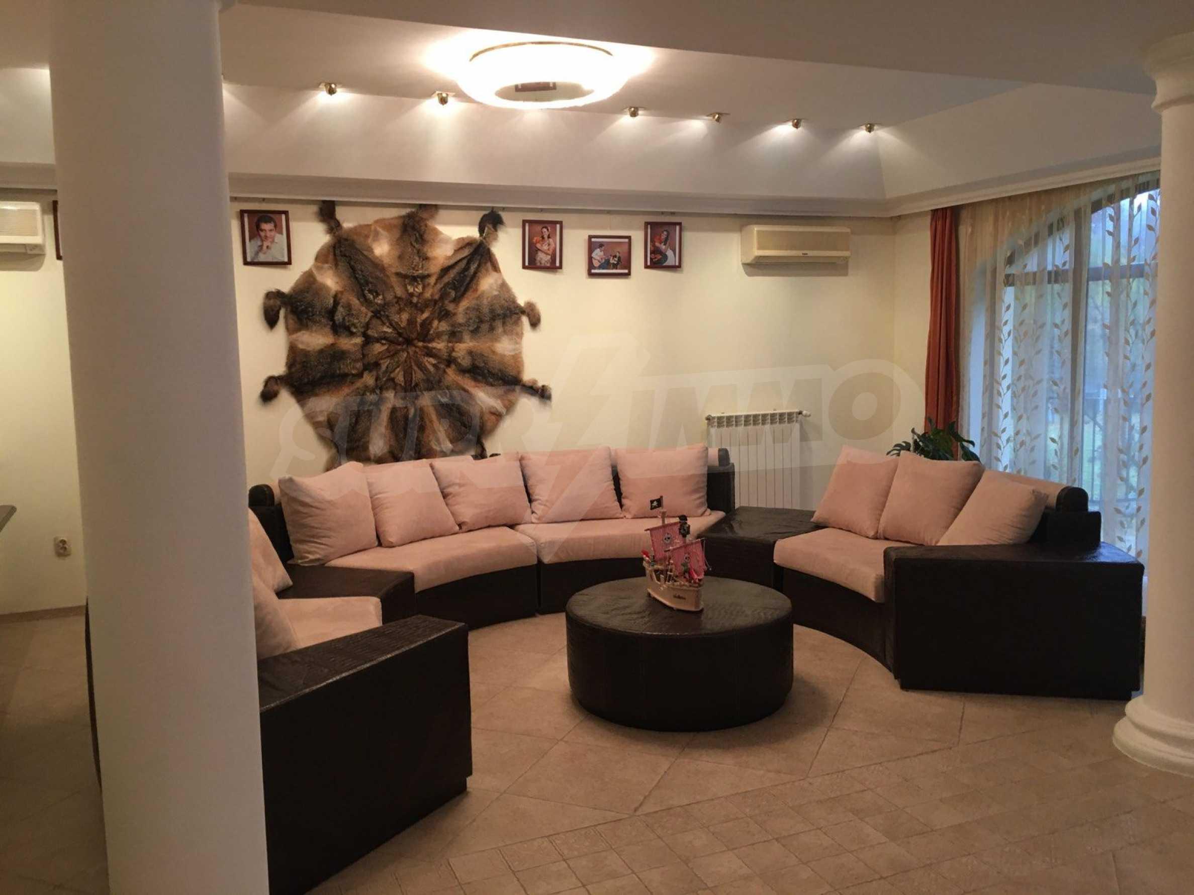 Herrenhaus nach Varna 41