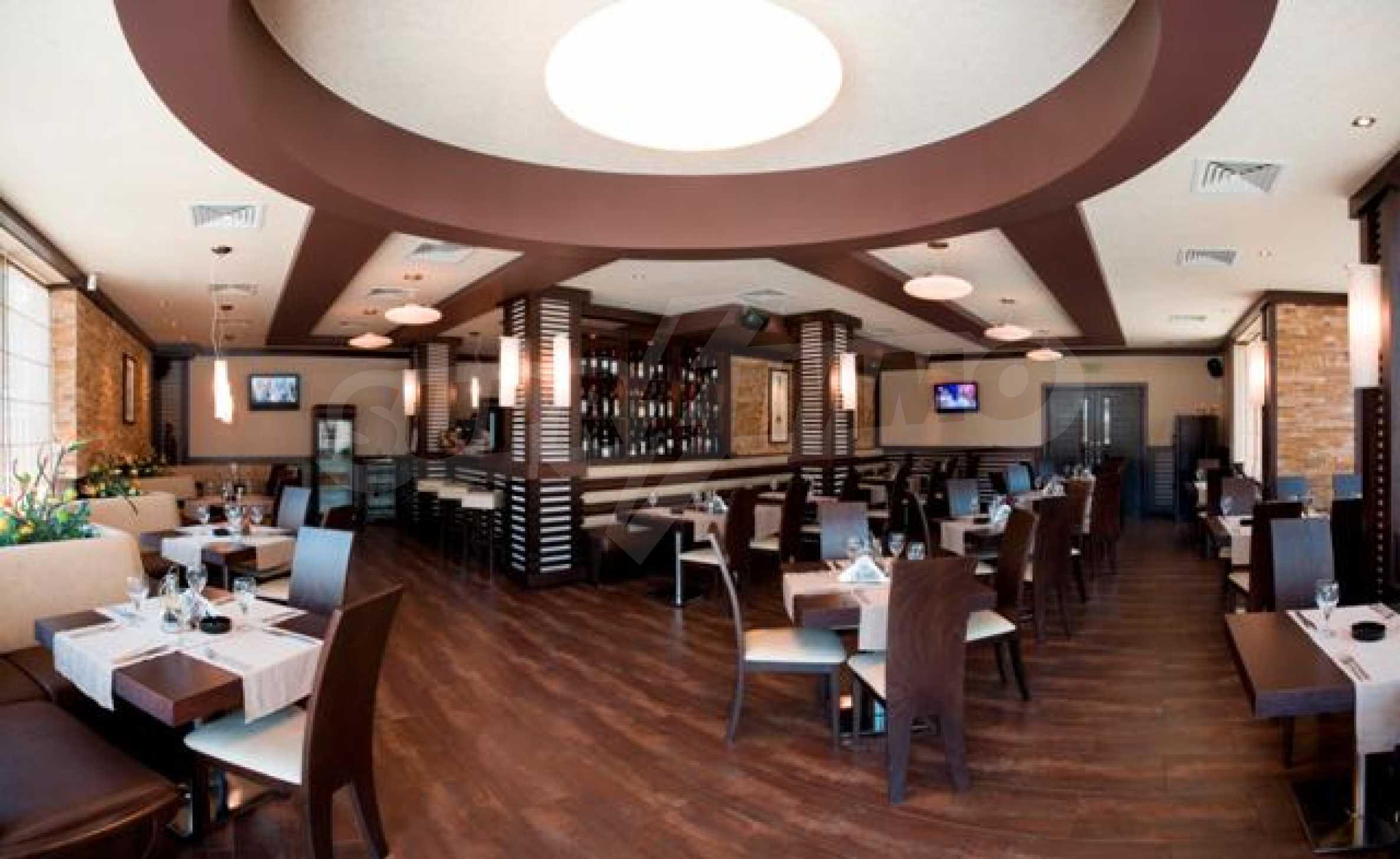 Ресторант и бар в Морска градина