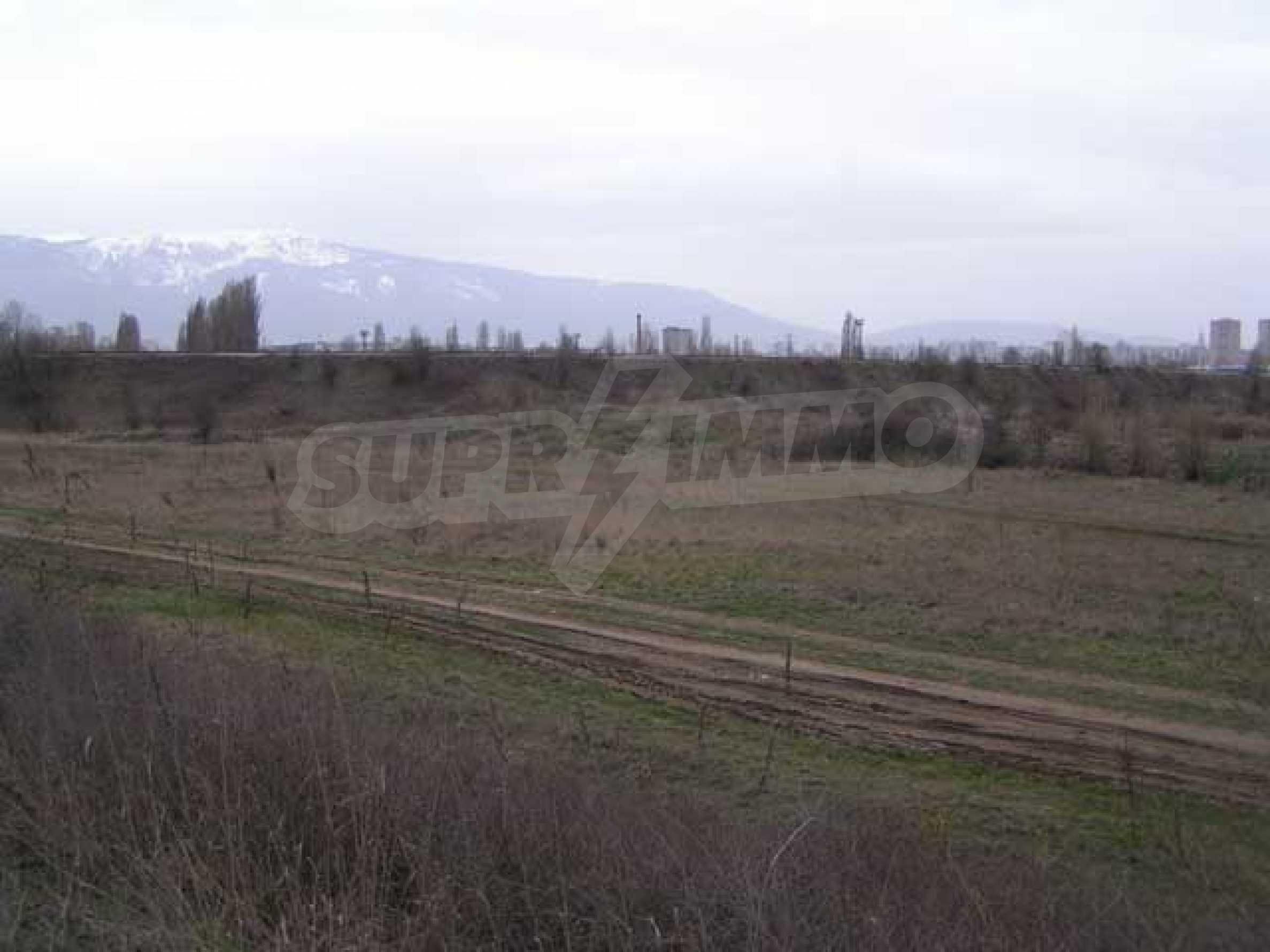 Земельный участок в г. София