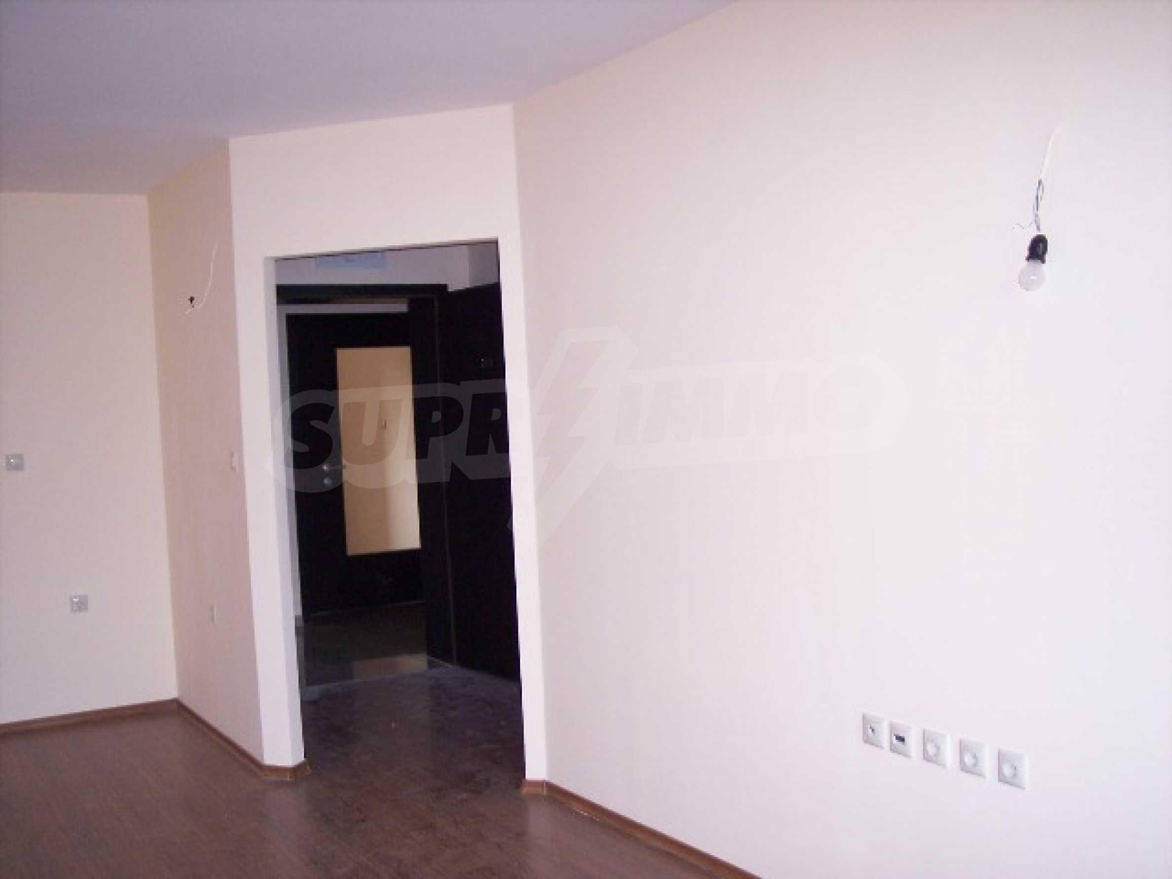 Двухкомнатная квартира в к.к. Золотые пески 1