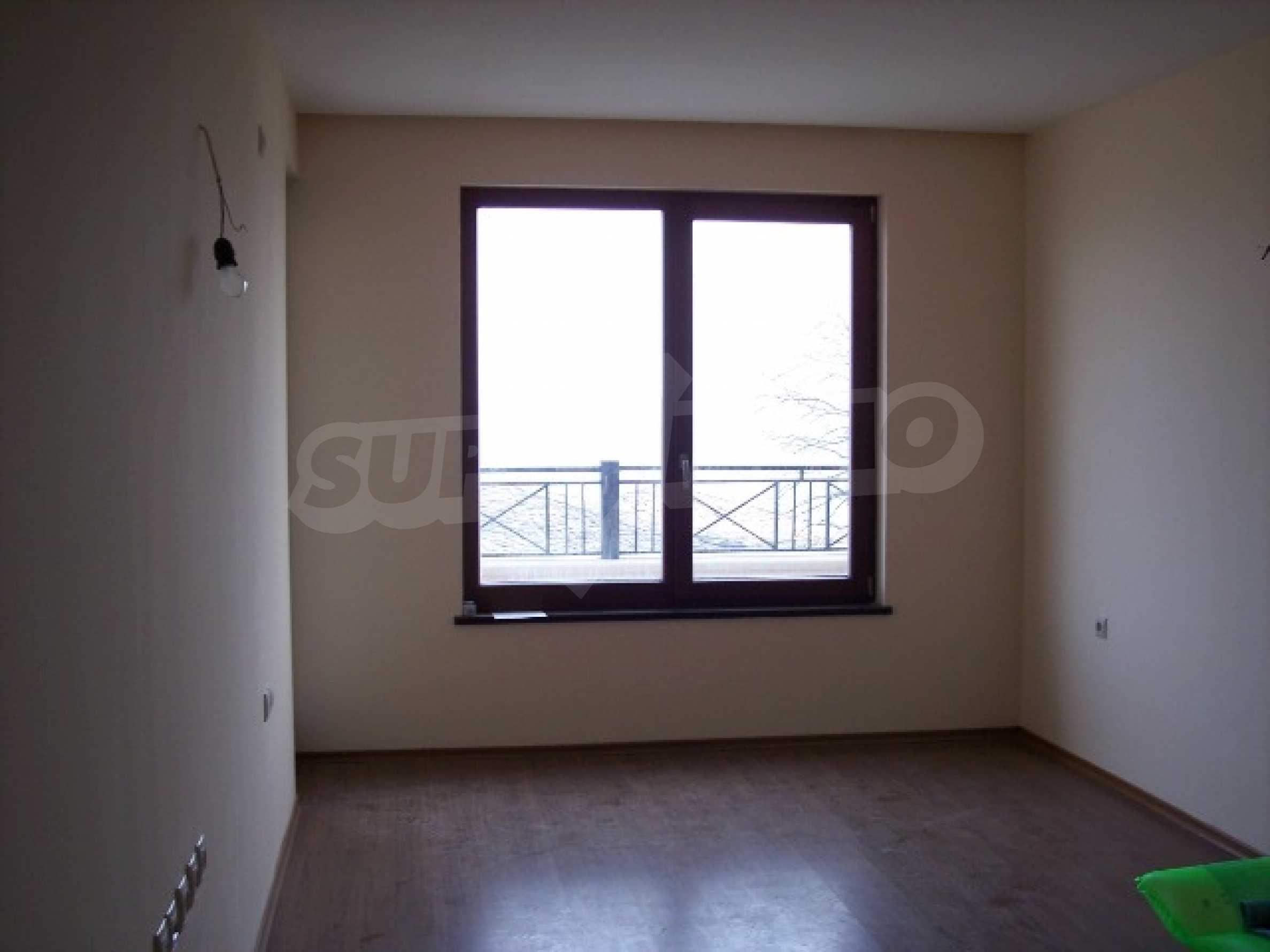 Двухкомнатная квартира в к.к. Золотые пески 7