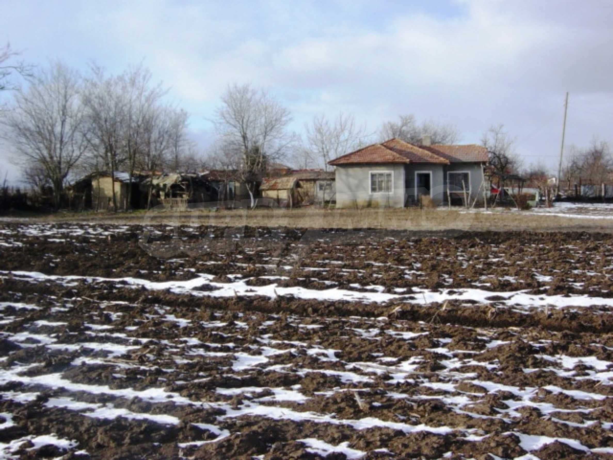 Rural house for sale near General Toshevo 3