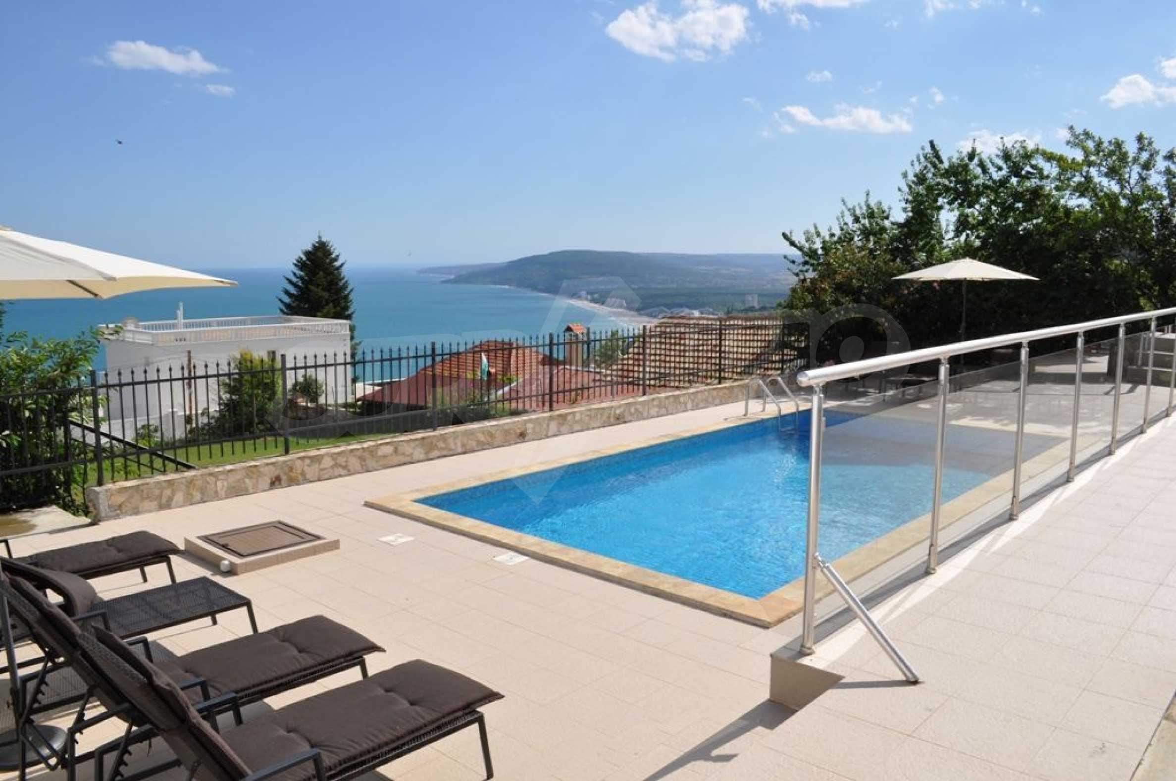 Luxusvilla mit 4 Schlafzimmern zu vermieten in der Nähe des Resorts. Albena 1