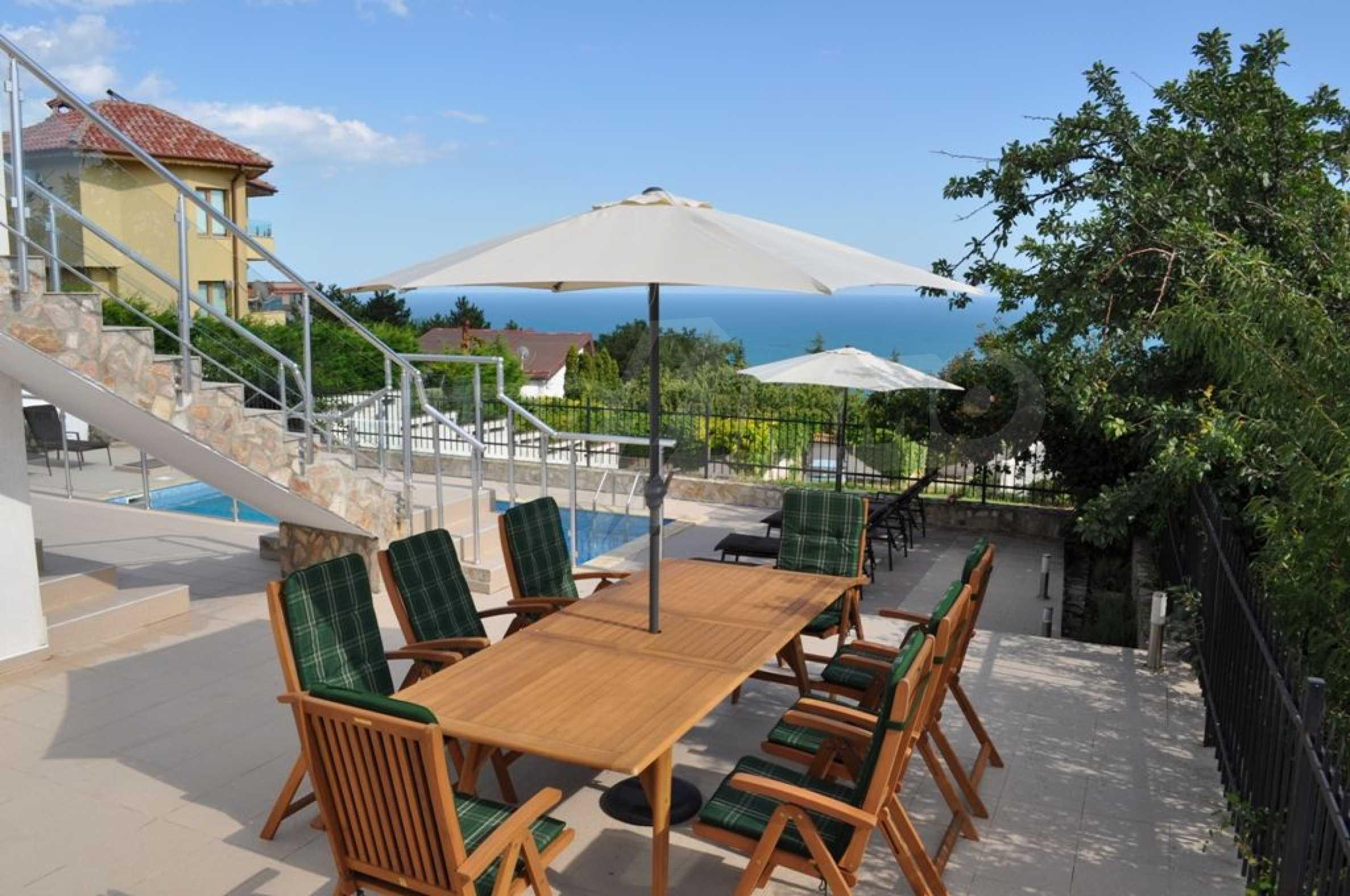 Luxusvilla mit 4 Schlafzimmern zu vermieten in der Nähe des Resorts. Albena 21