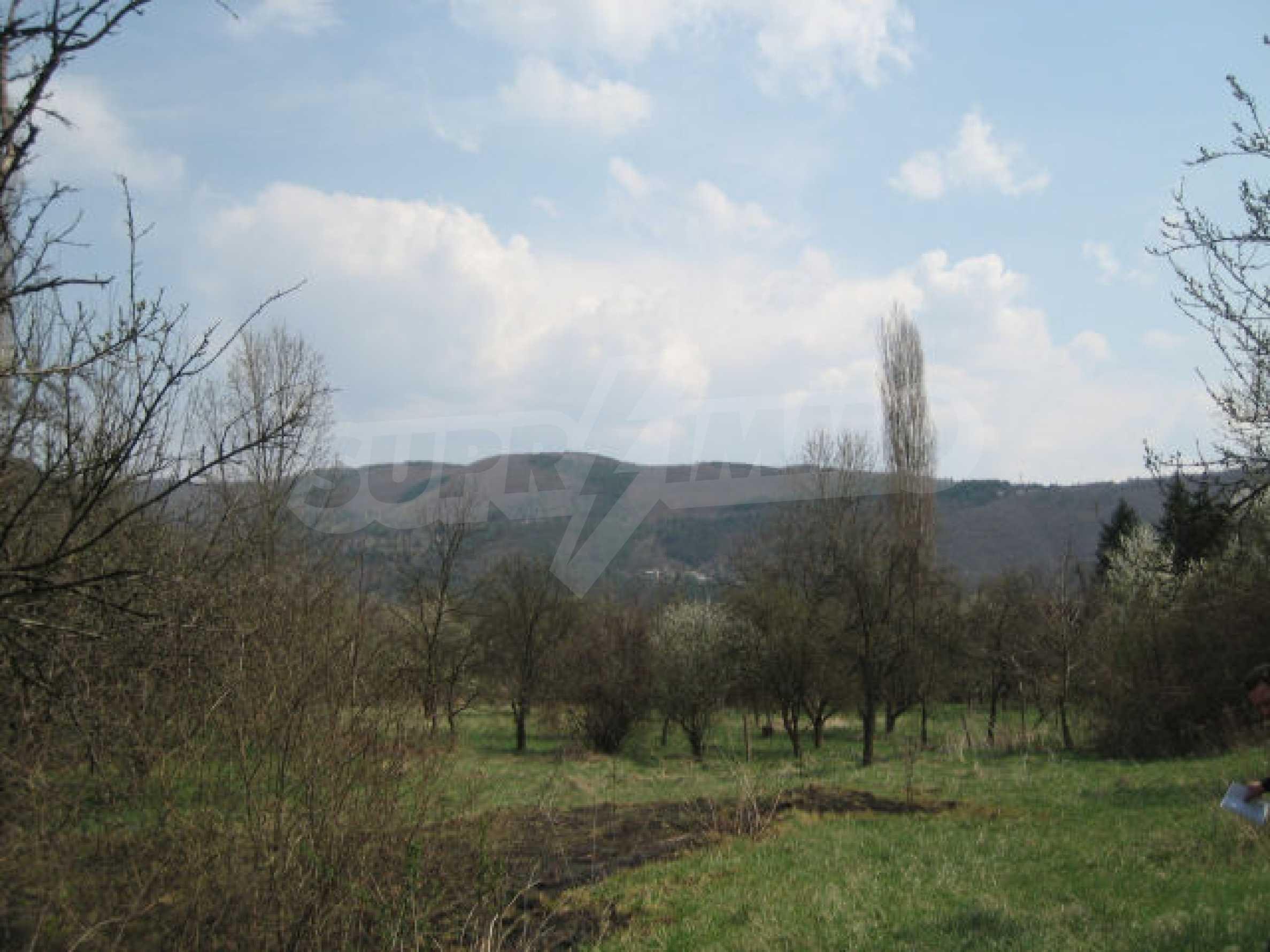 Сельскохозяйственная земля вблизи г. София 9