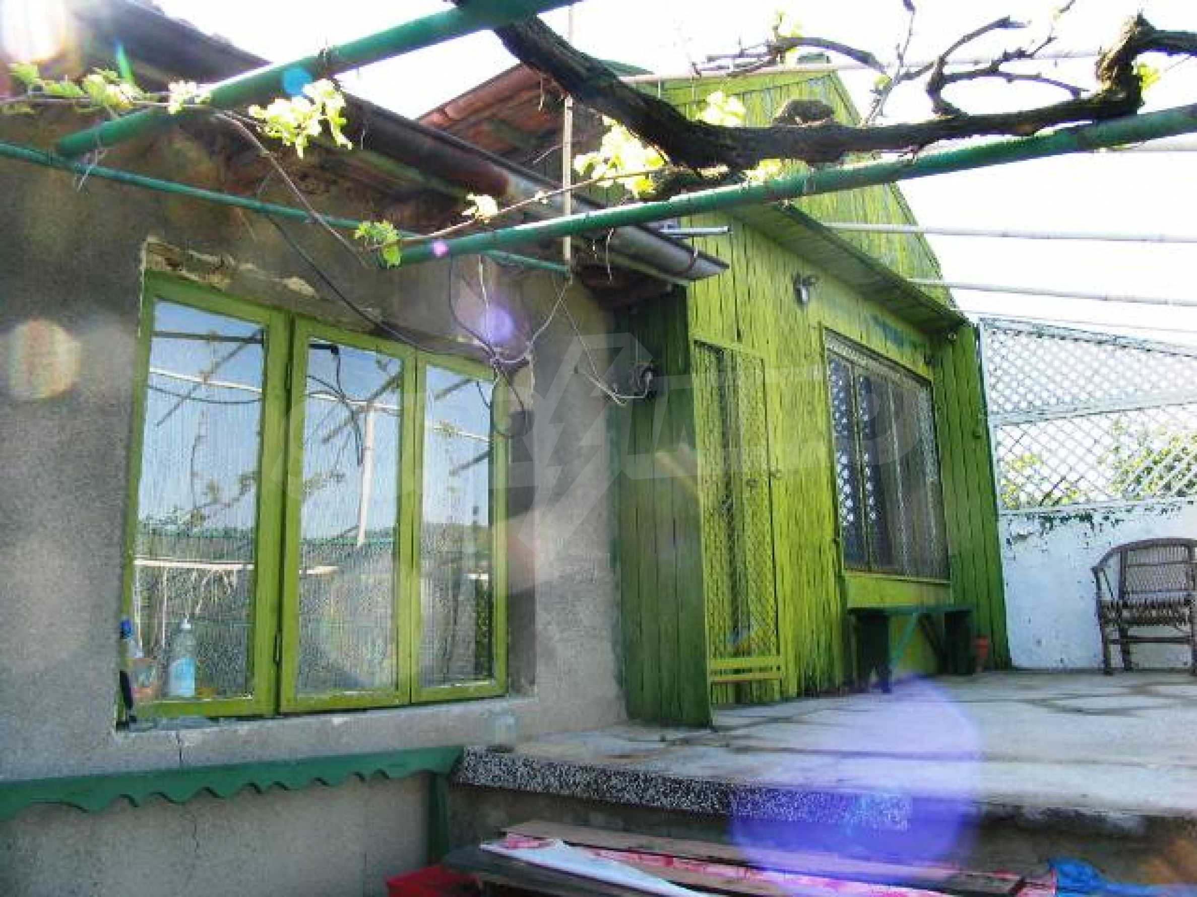 Well-sized house with plot of land close to Varna and the sea  10