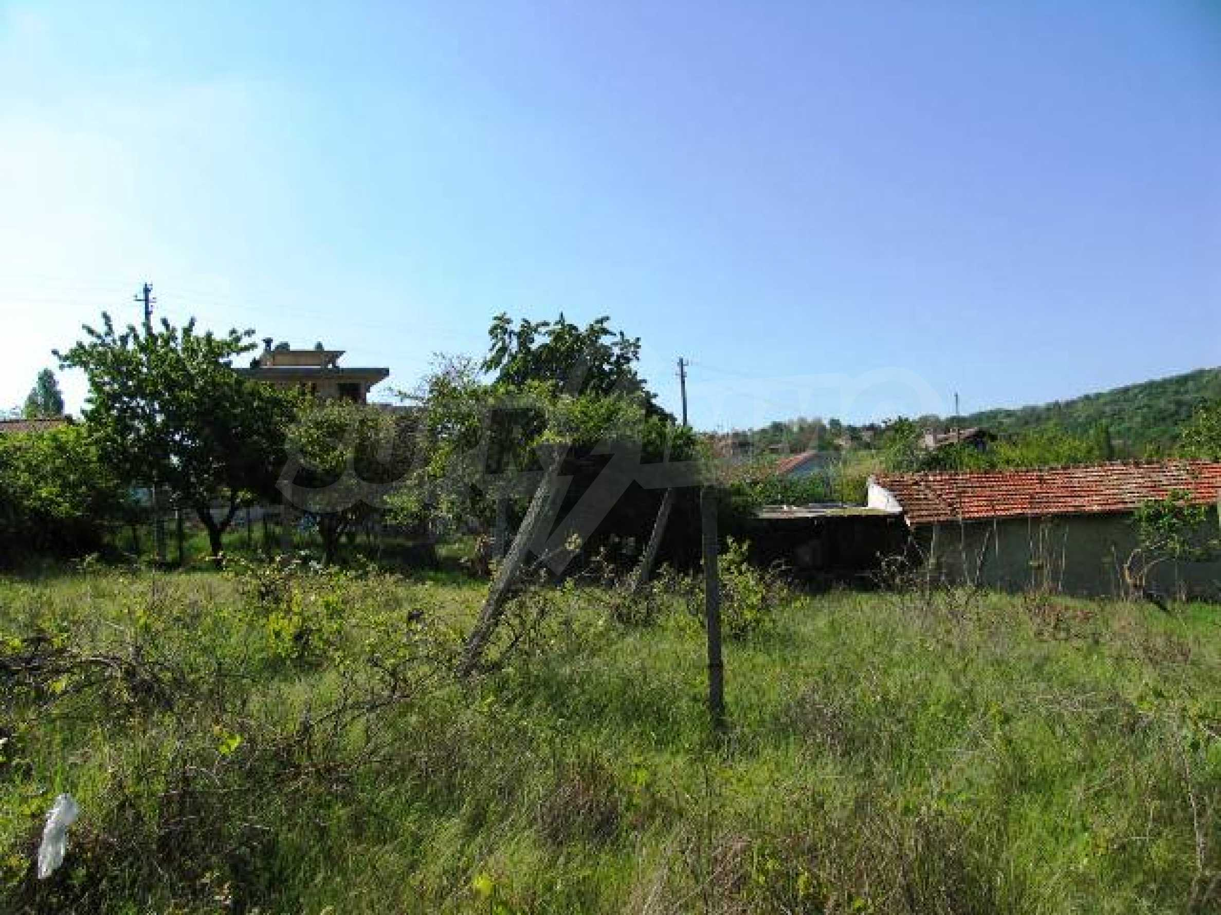Well-sized house with plot of land close to Varna and the sea  16