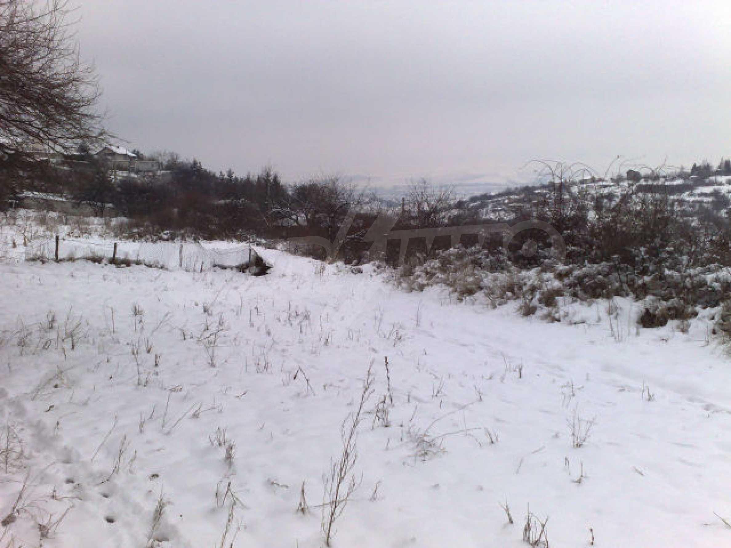 Земельный участок вблизи г. София 1
