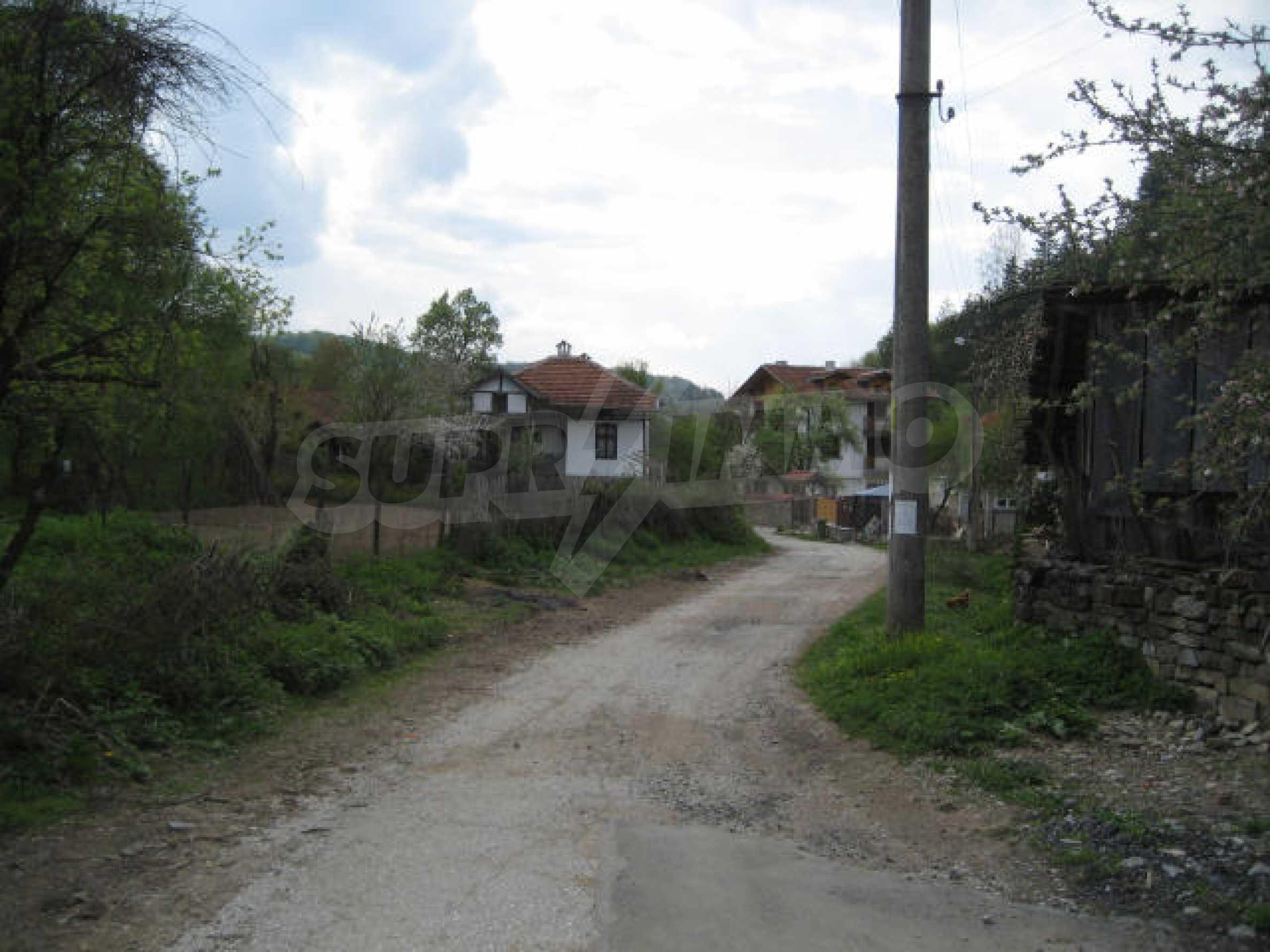 Земельный участок вблизи г. София 5