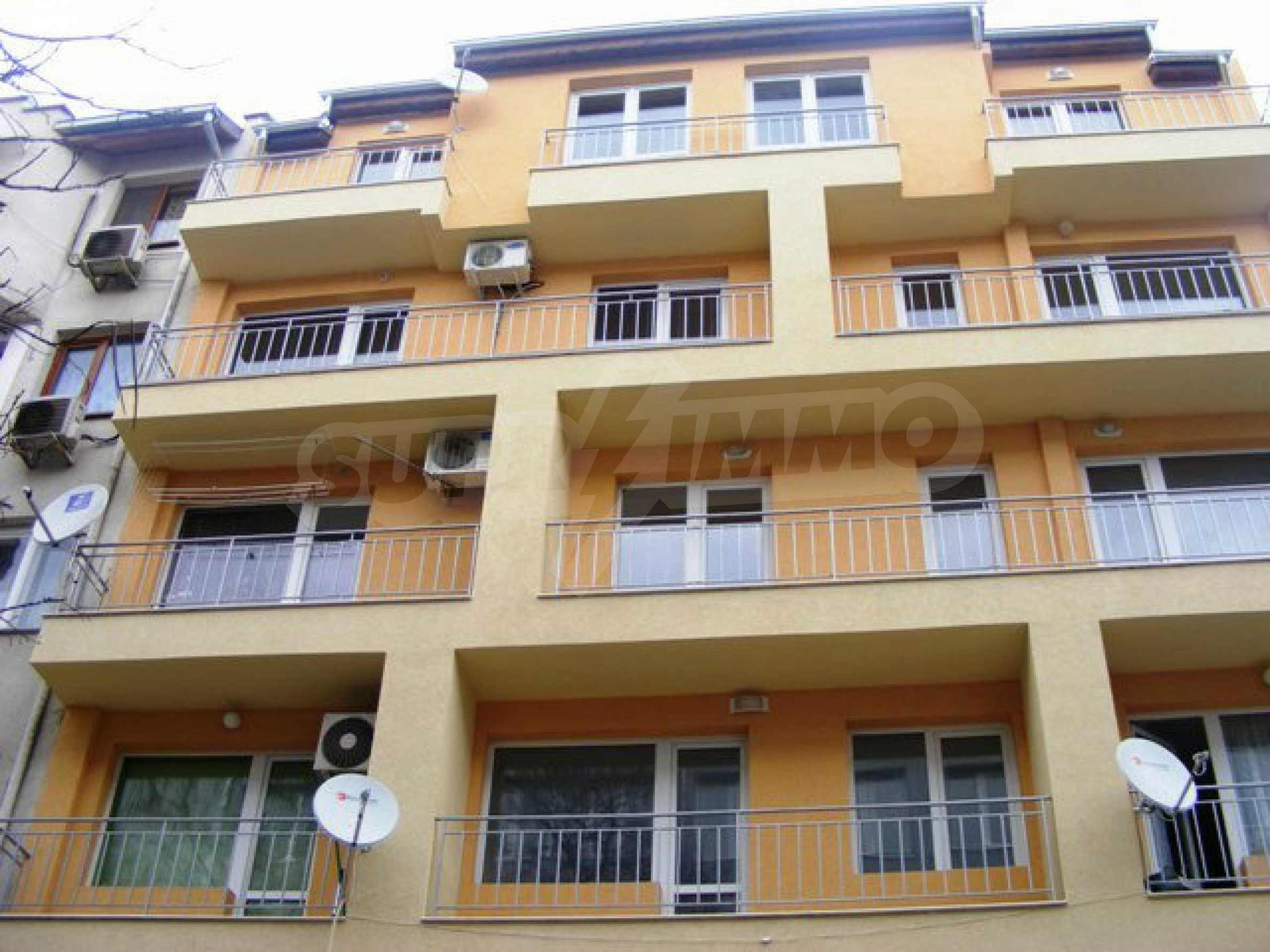 Апартамент Мери - тристаен имот в съвременна сграда на 5 мин. от Макдрайв 17