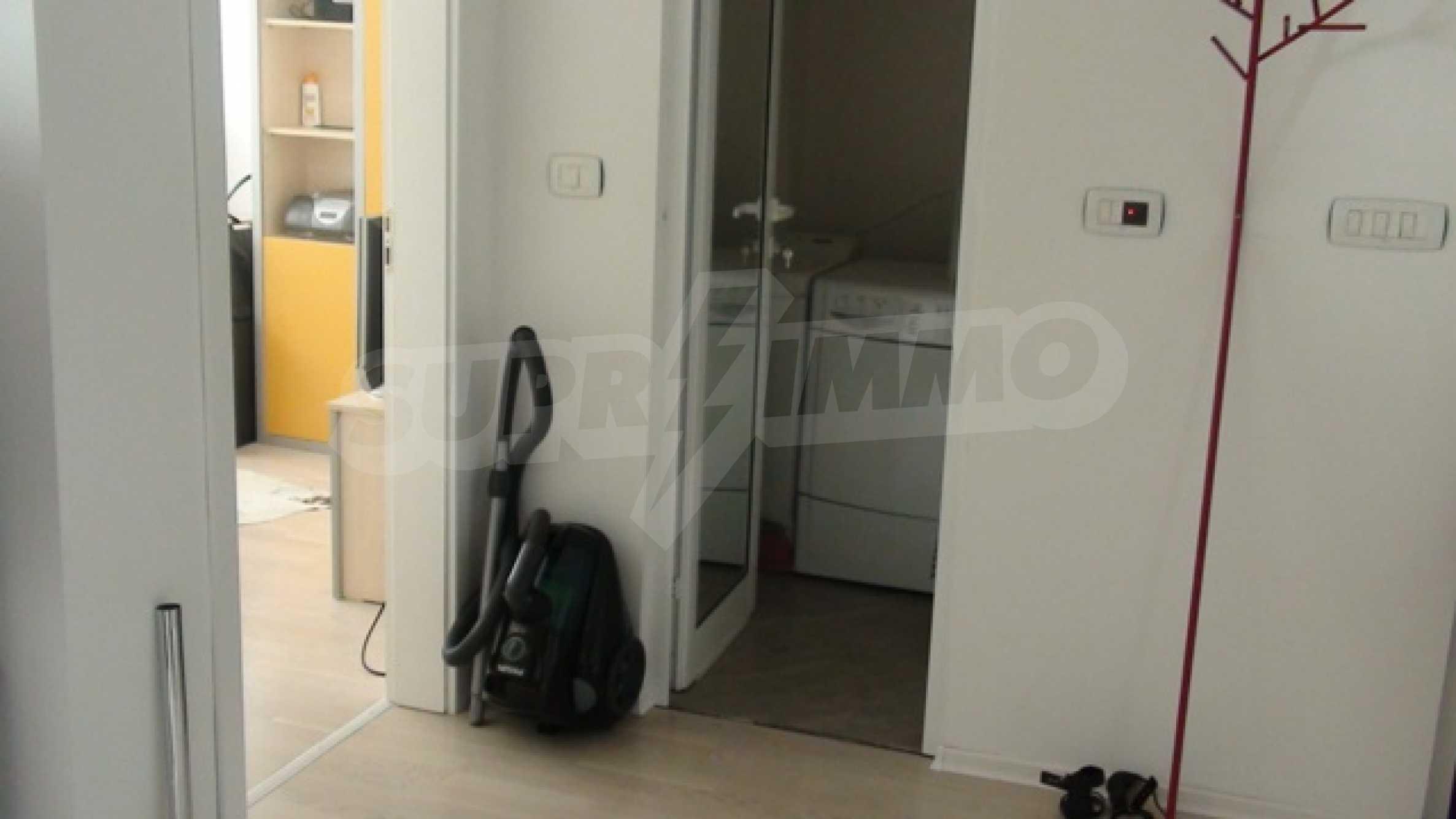 Апартамент Рафаело 12