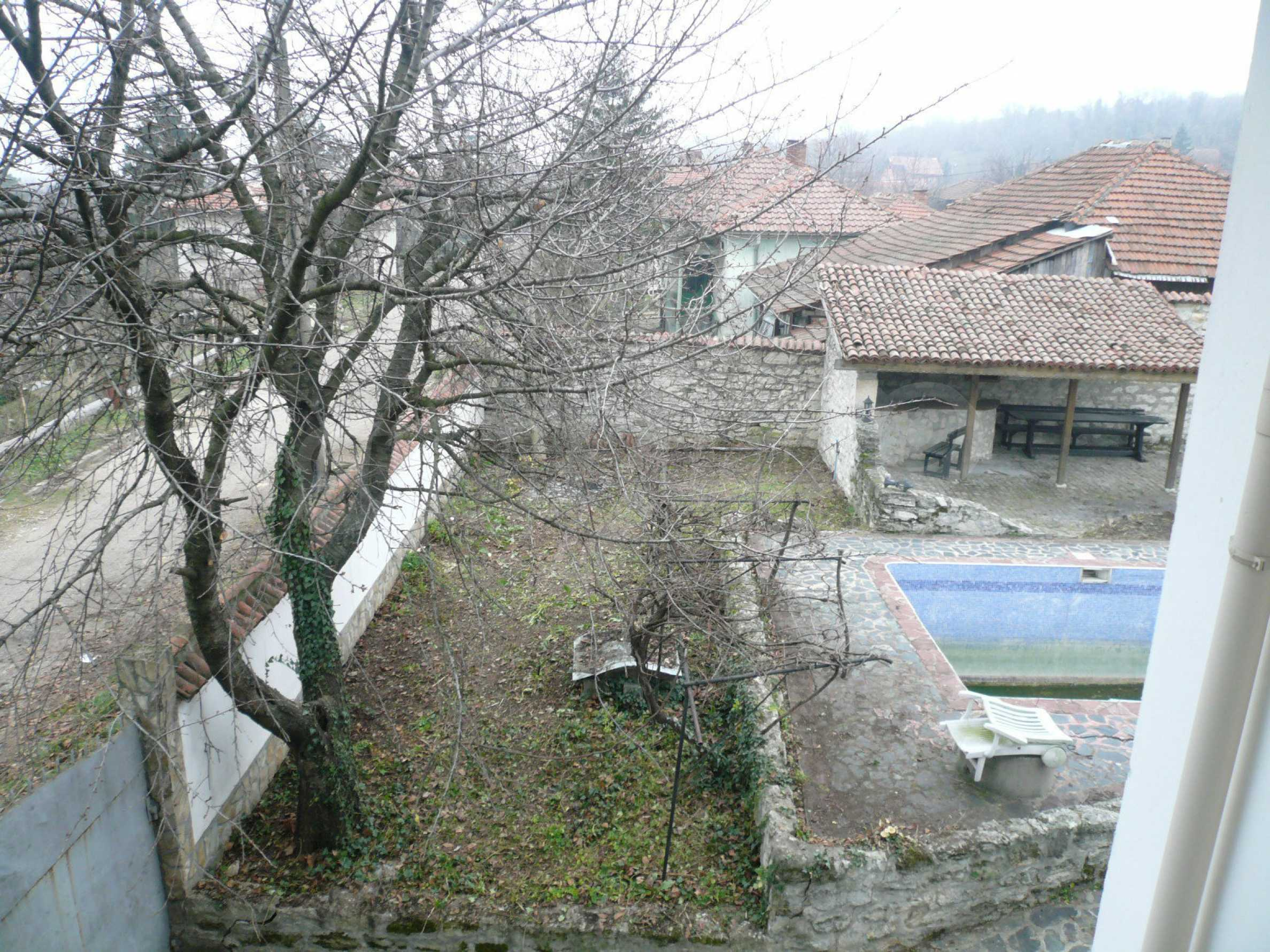 Голяма двуетажна къща близо до Видин 34