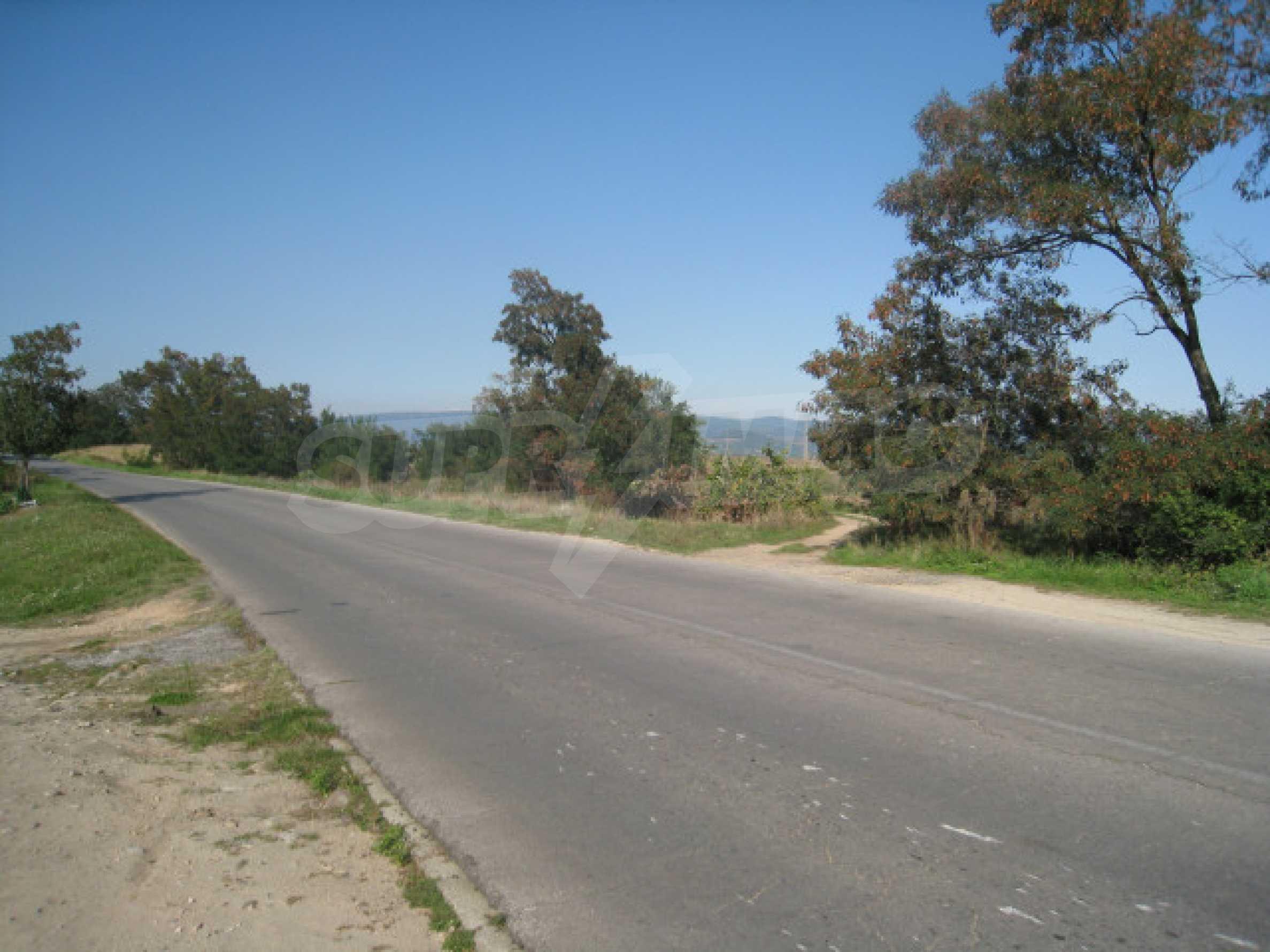 Zwei regulierte Grundstücke in der Nähe von Borovets 11
