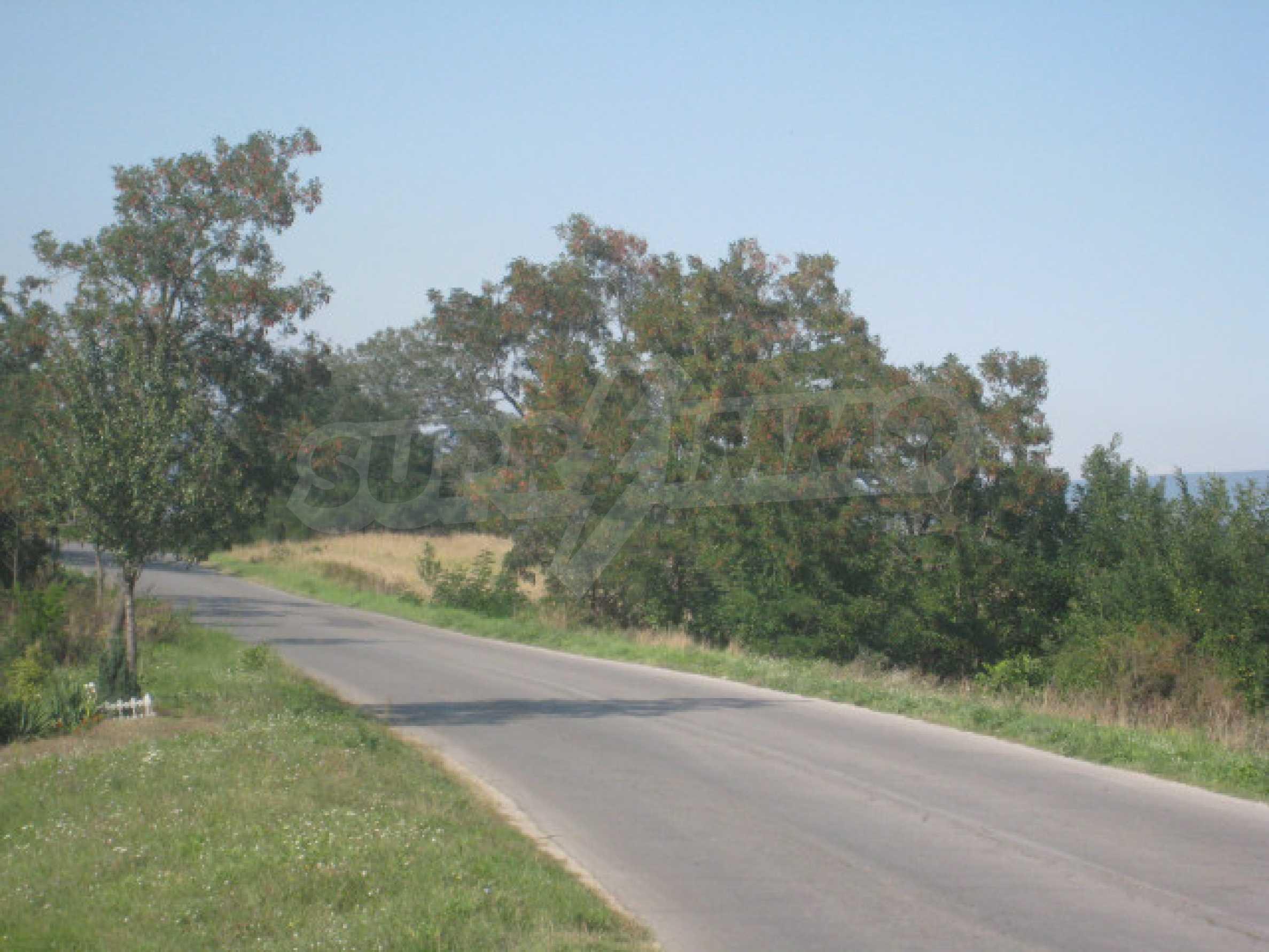 Zwei regulierte Grundstücke in der Nähe von Borovets 12