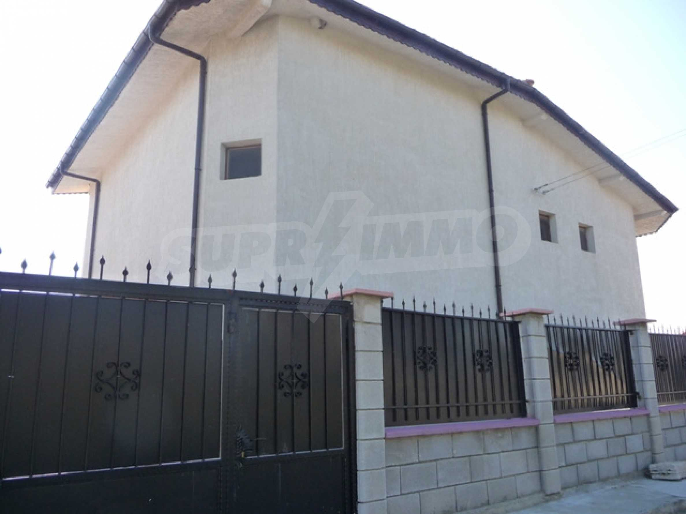 Four storey villa for sale situated in Golden Fish villa zone 36