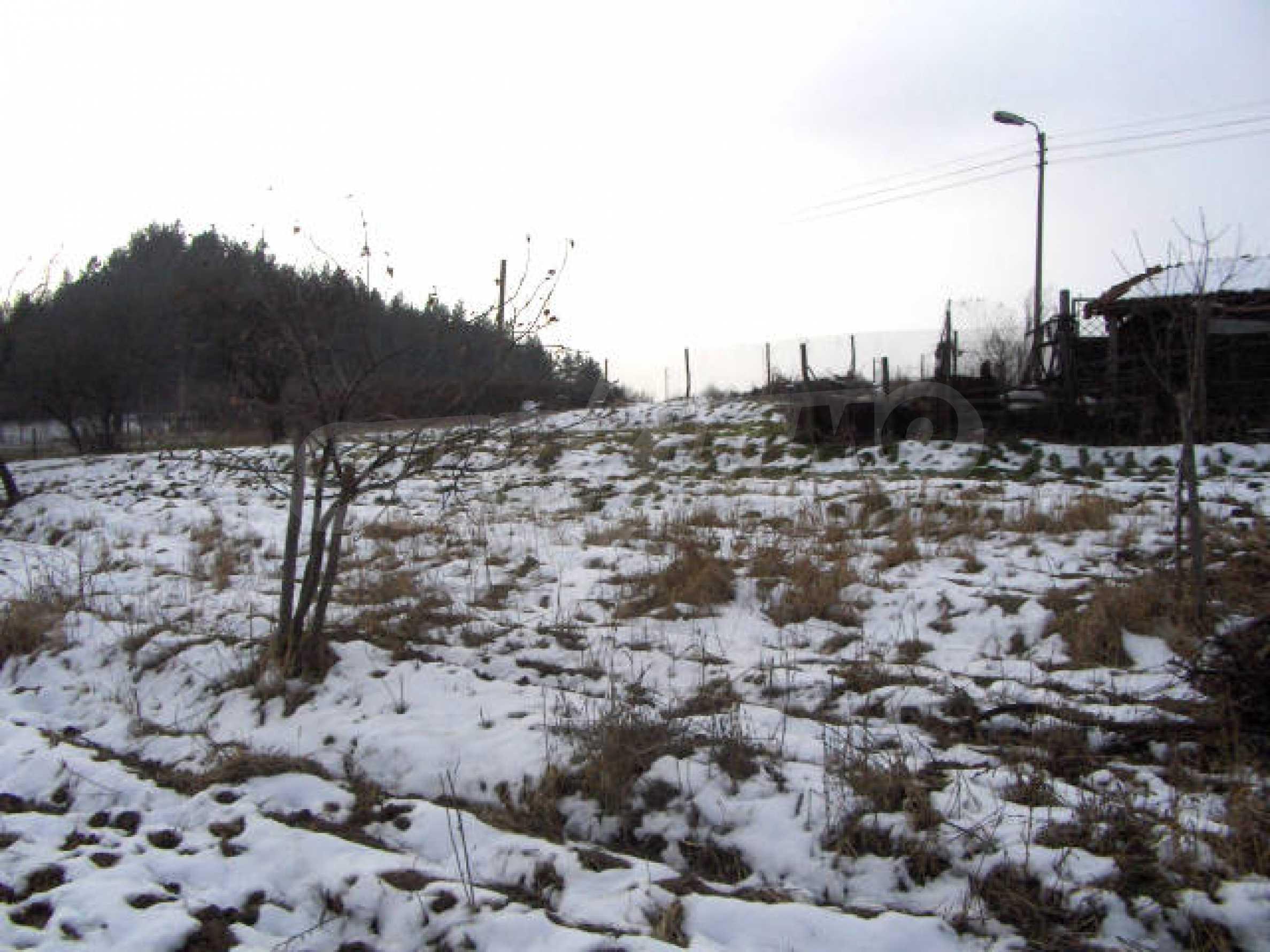 Большой земельный участок вблизи Софии 1