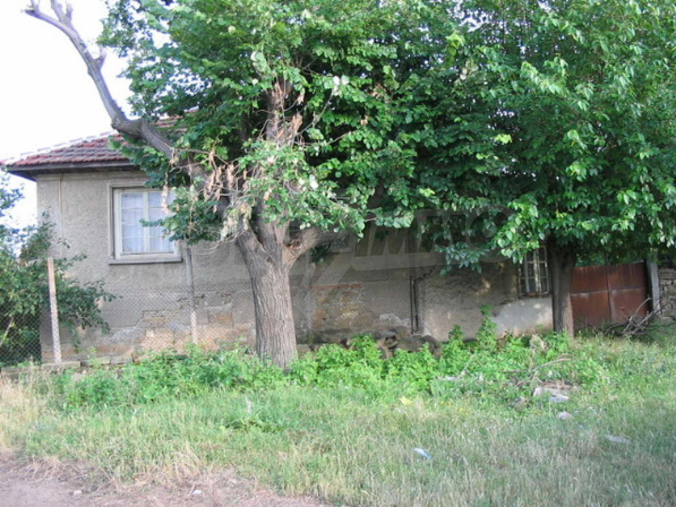 Къща в добро състояние до Велико Търново 14