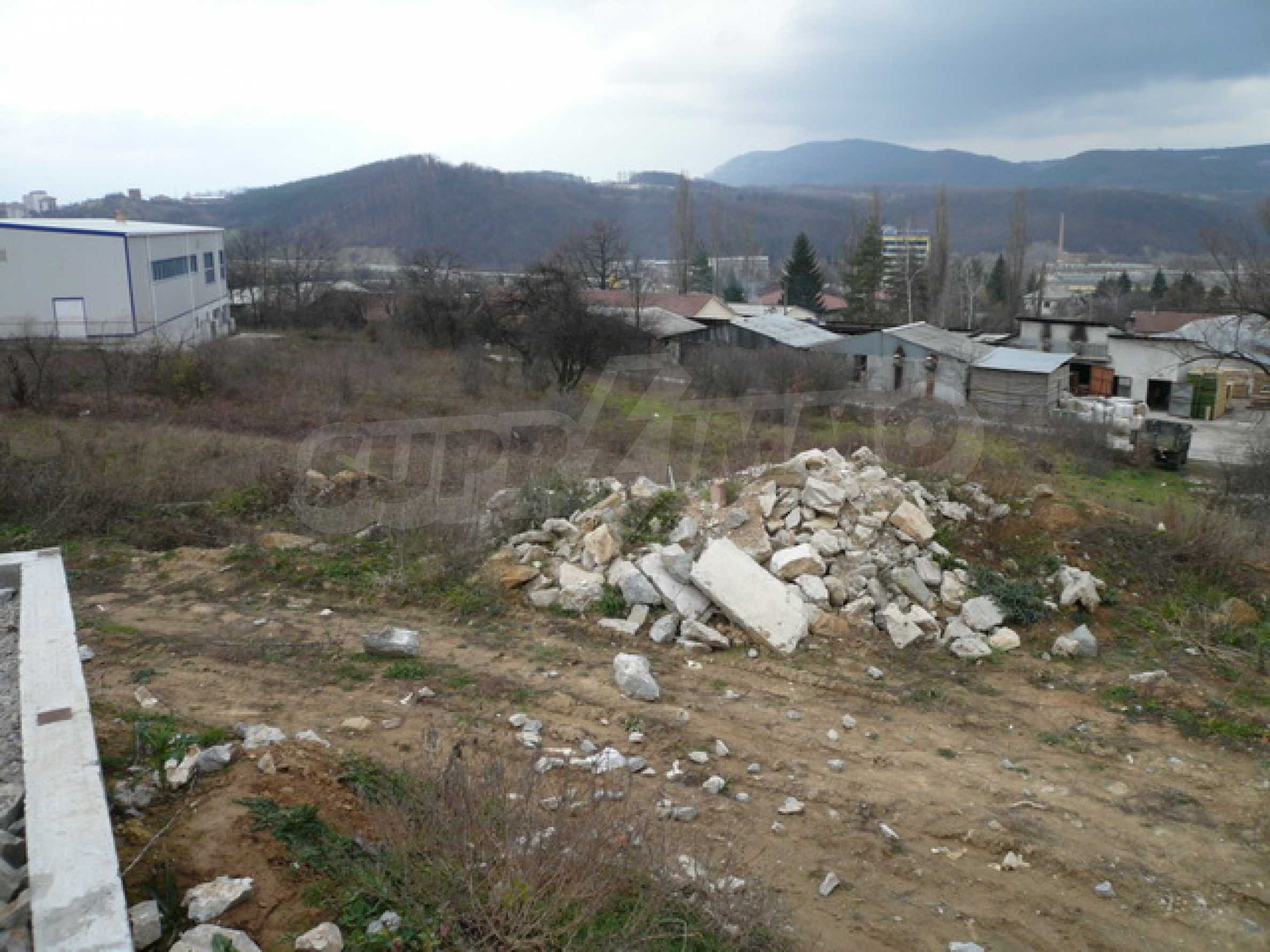 Commercial plot of land in the town of Gabrovo 3