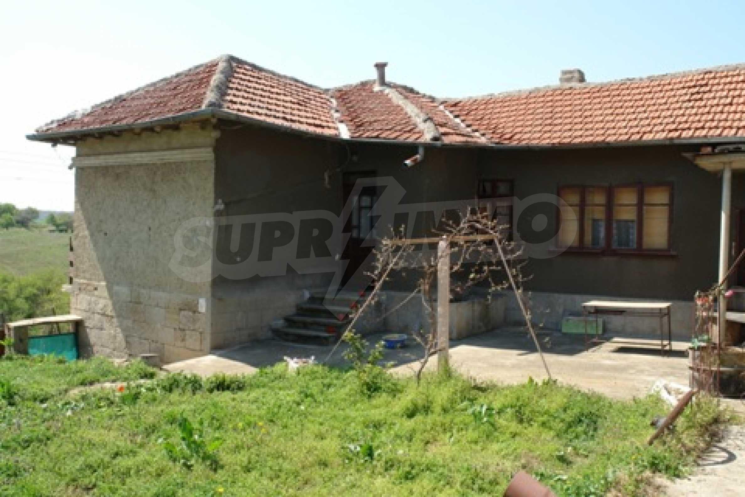 Къща в село Черешово 8