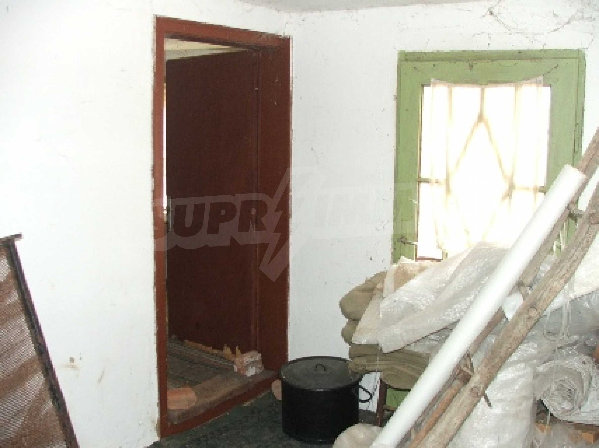 Къща в Костанденец 16