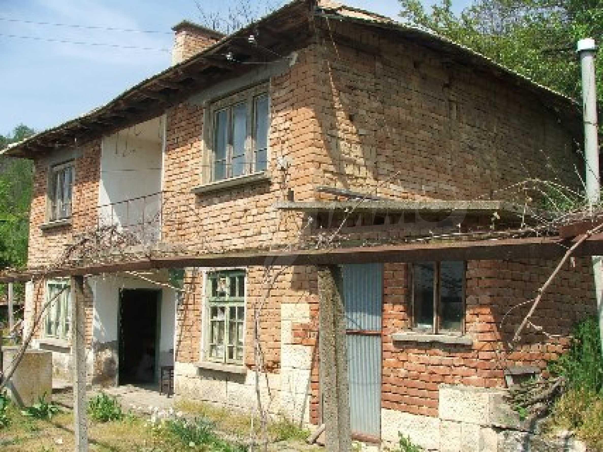 Къща в Костанденец 1