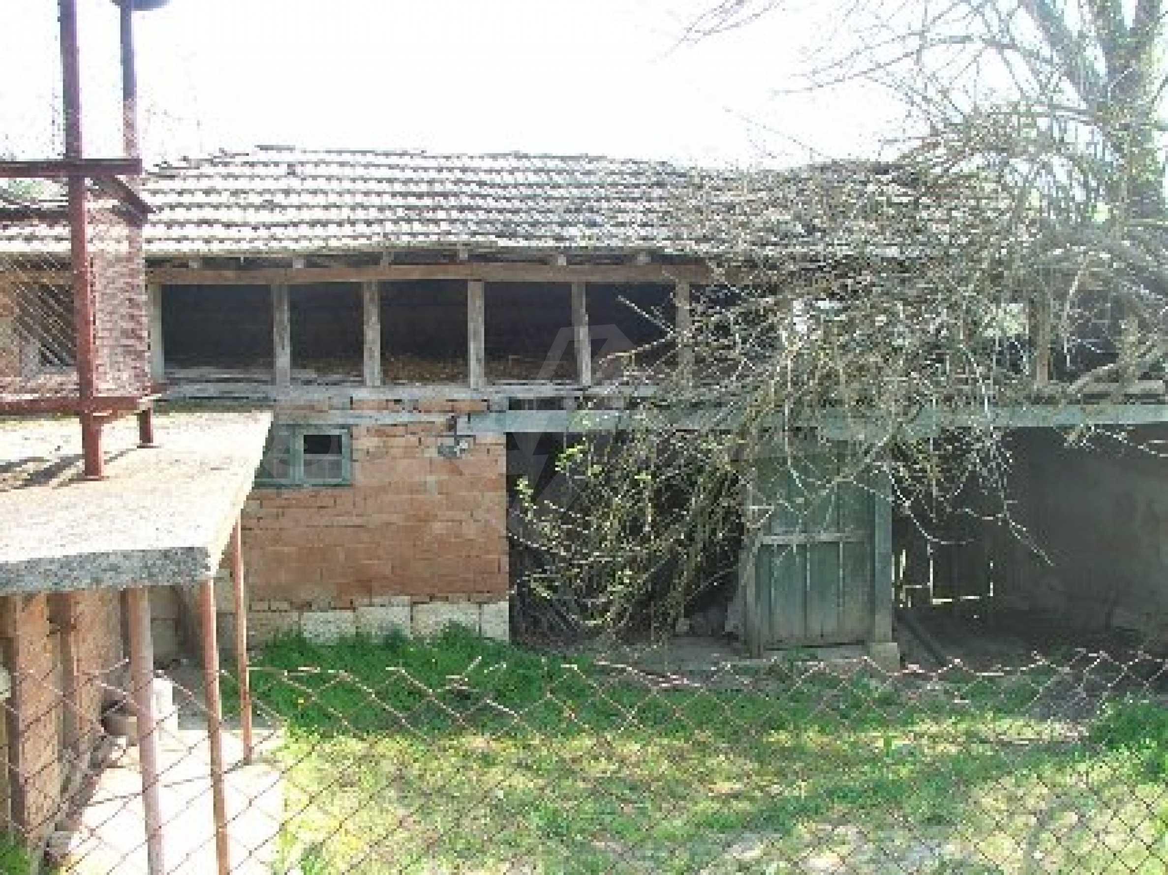Къща в Костанденец 3