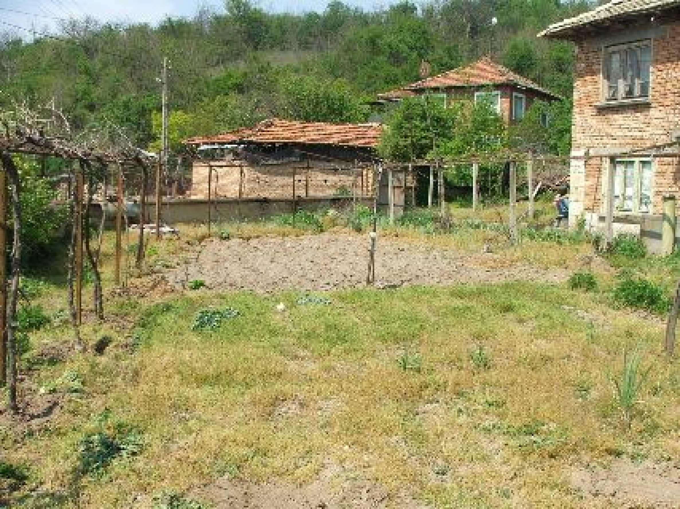 Къща в Костанденец 4