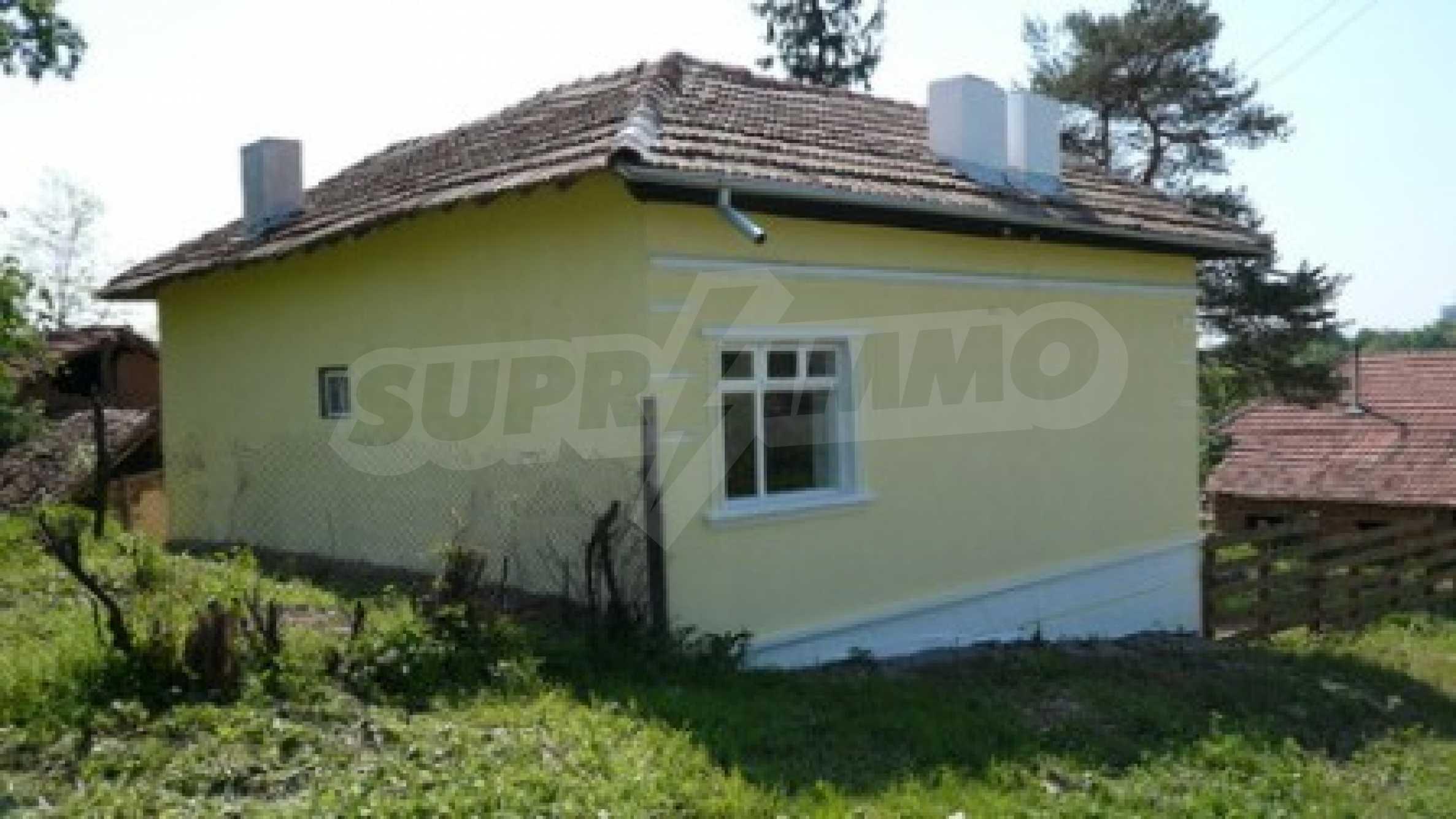 Geräumiges zweistöckiges Haus im Dorf Bistrentsi, Ruse 2