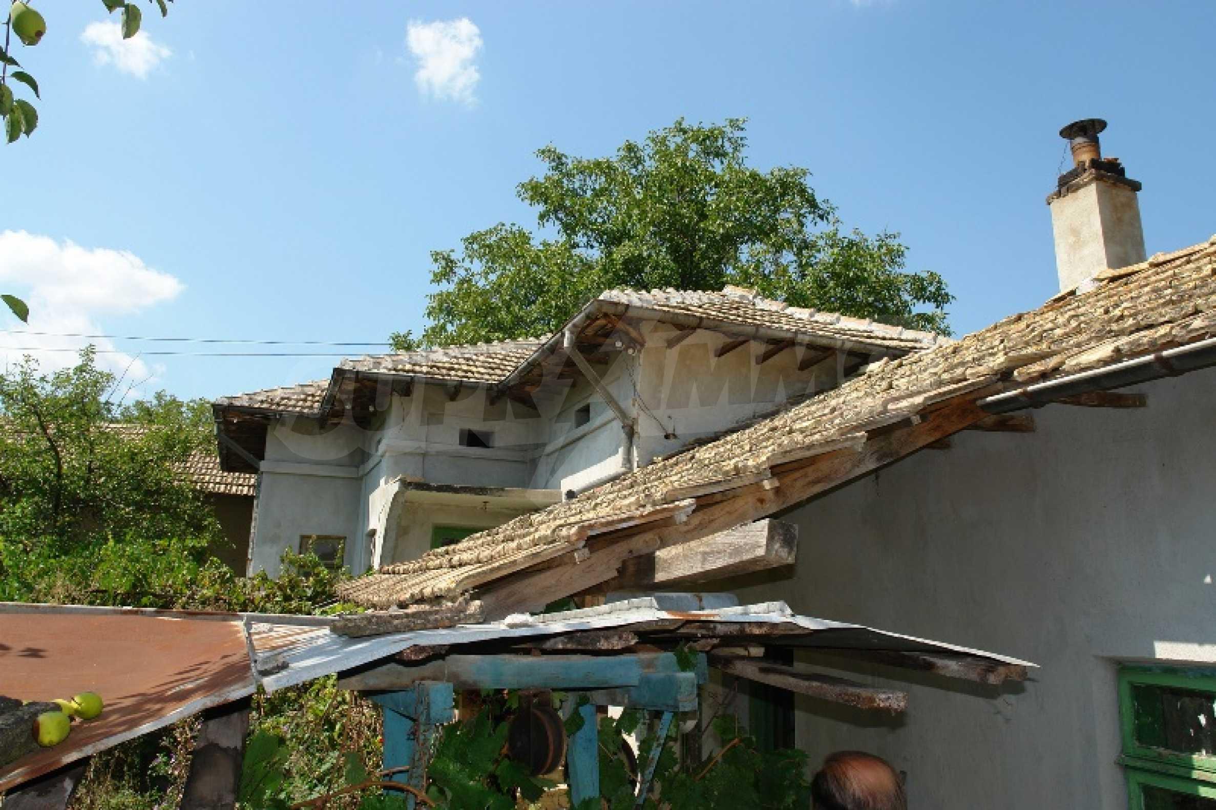 Едноетажна къща с две спални в село Садина, Русенско 17