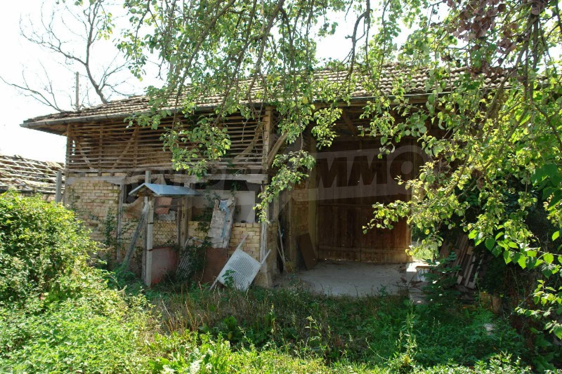 Едноетажна къща с две спални в село Садина, Русенско 2