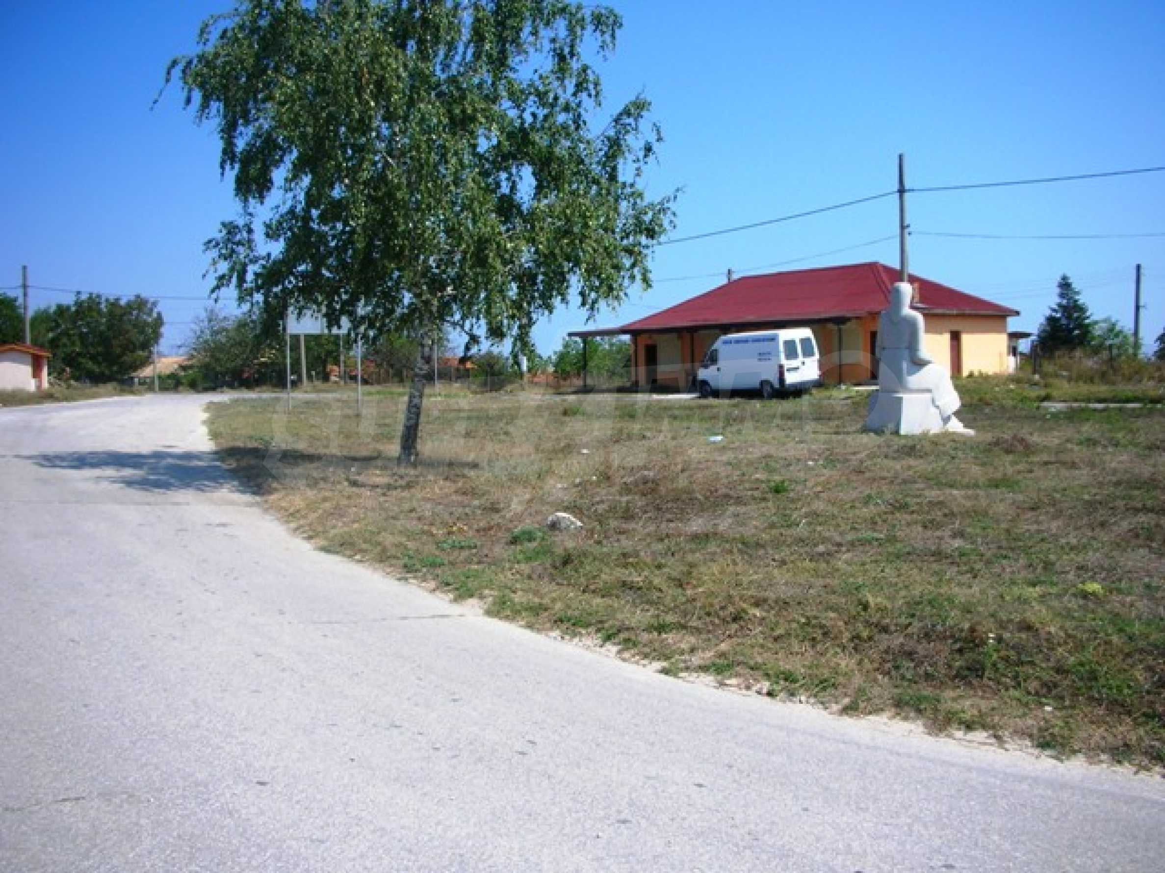 Plot for sale in Avren with project for house 4