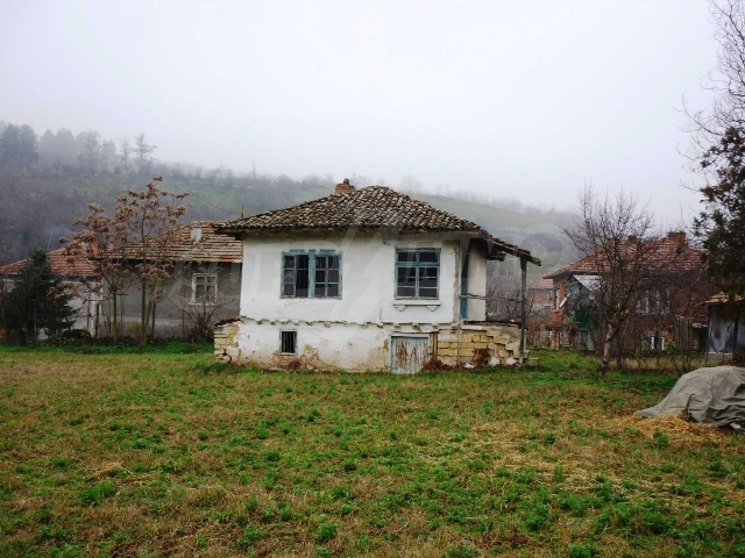 Къща за продажба в село Бъзовец, Русенско